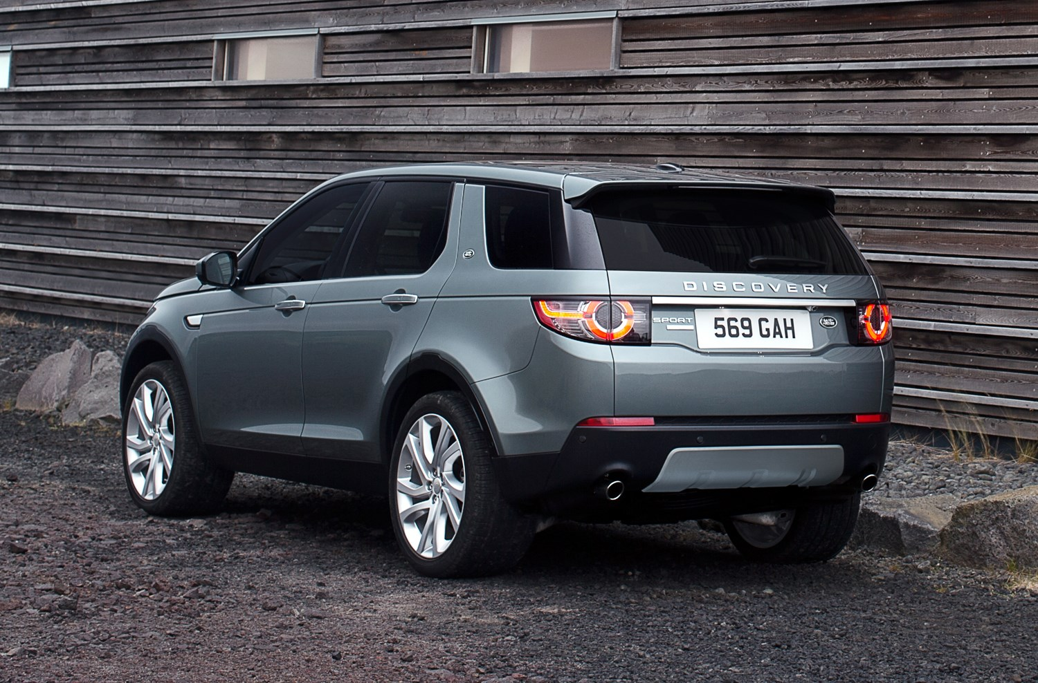 Land Rover Discovery Sport 4x4 2015 Features