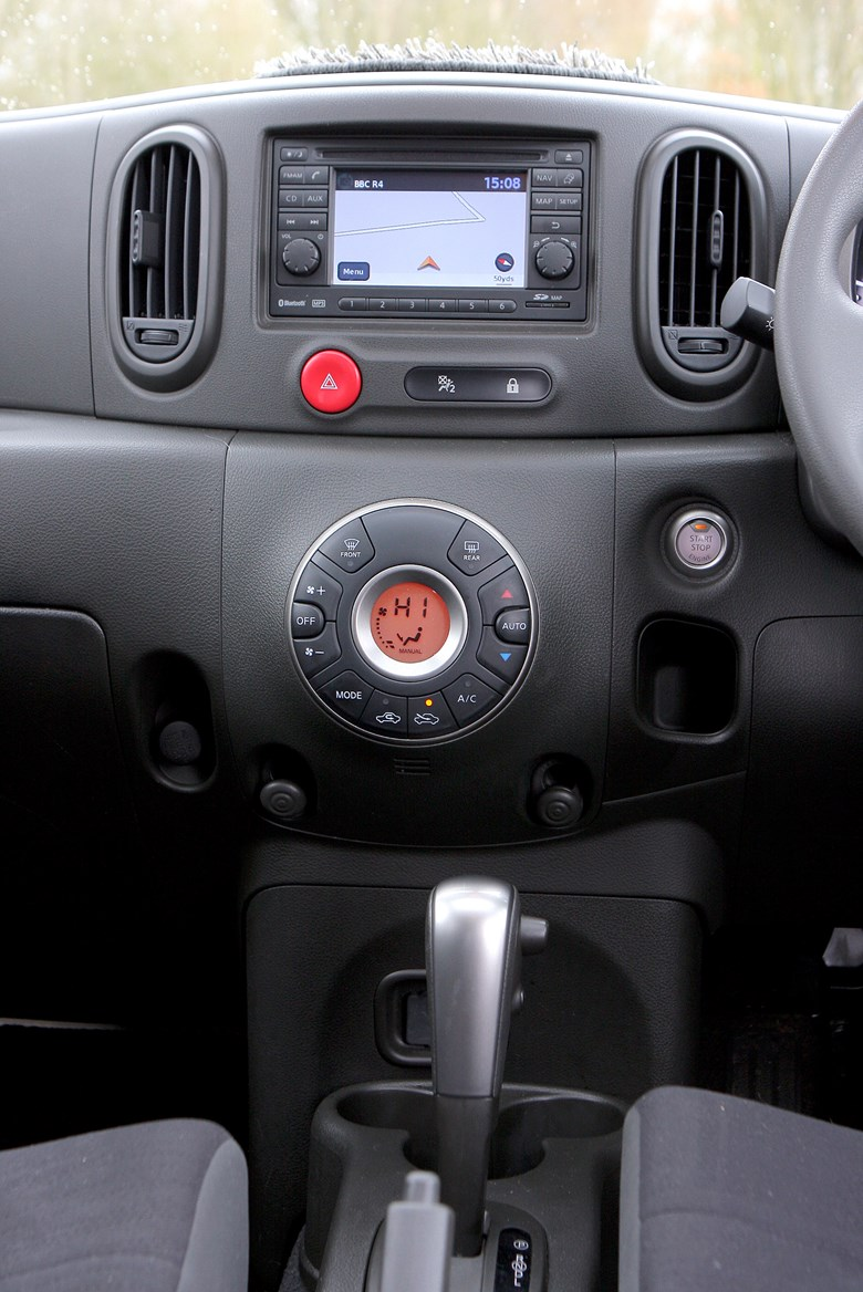 nissan cube estate 2010 2010 features equipment and. Black Bedroom Furniture Sets. Home Design Ideas