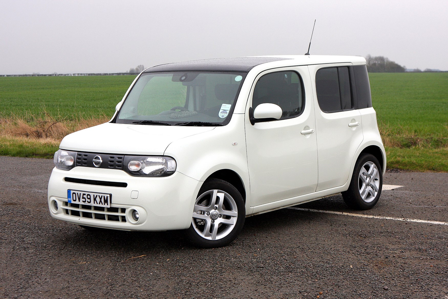 nissan cube estate 2010 2010 driving performance parkers. Black Bedroom Furniture Sets. Home Design Ideas