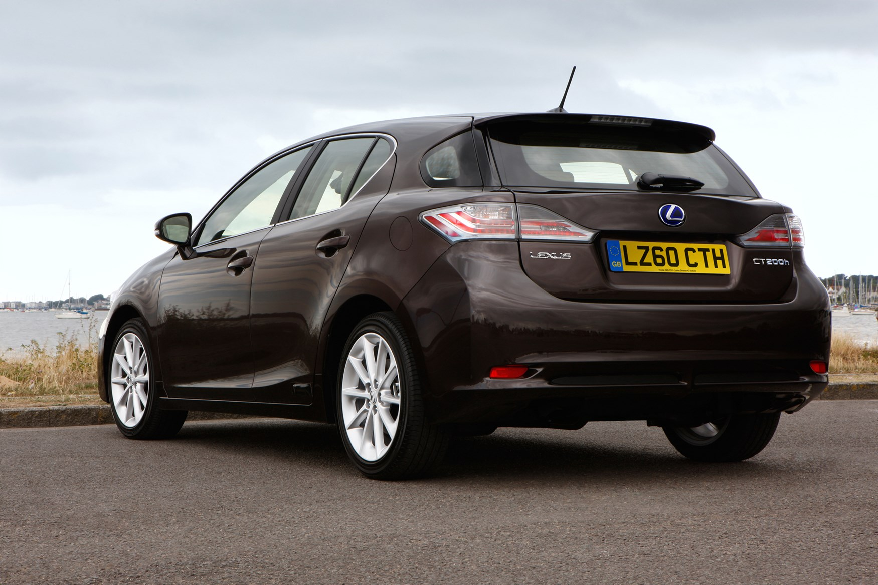 Lexus CT Hatchback Review (2011   ) | Parkers