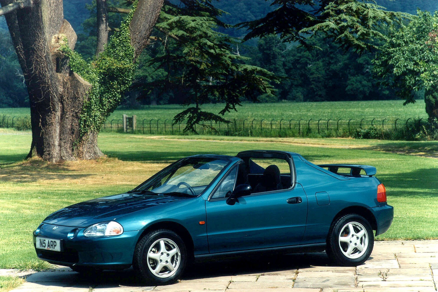 Honda Accord Sport Se >> Honda CRX Convertible Review (1992 - 1997) | Parkers