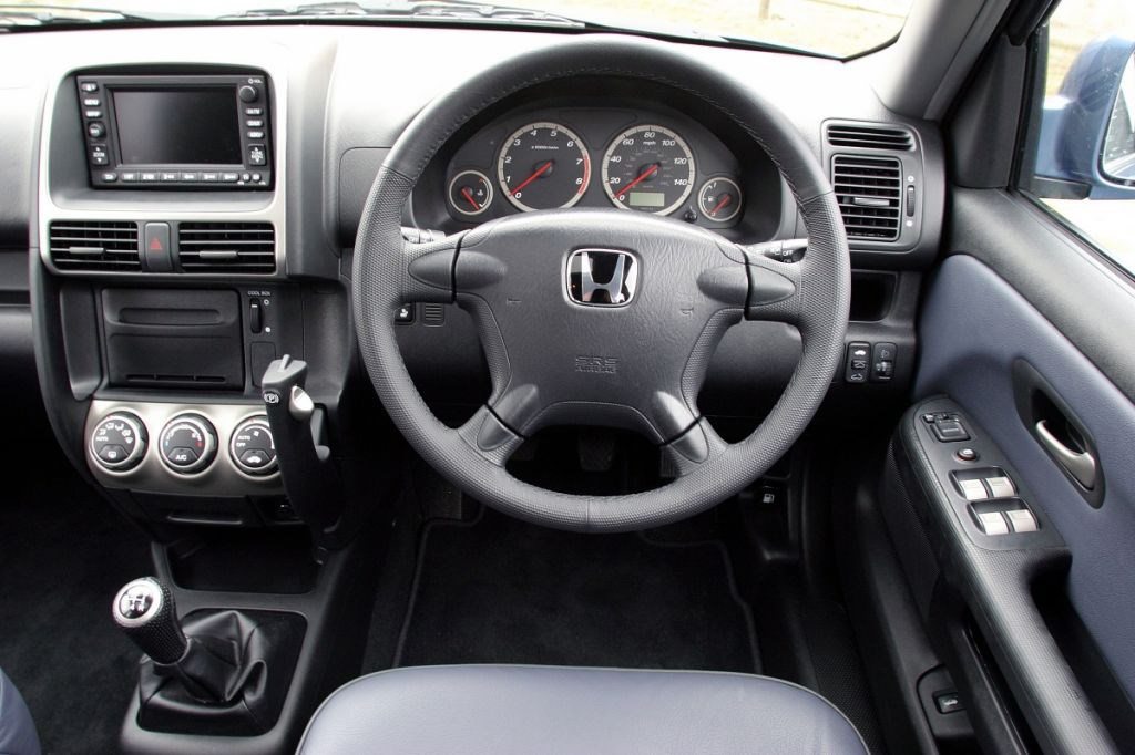 2006 honda cr v manual review