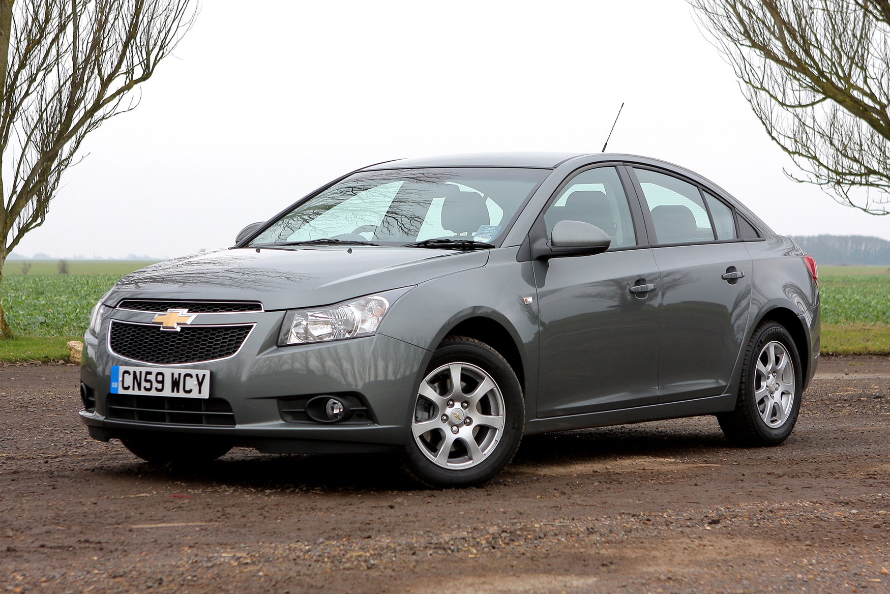 chevrolet cruze saloon review 2009 2011 parkers. Black Bedroom Furniture Sets. Home Design Ideas