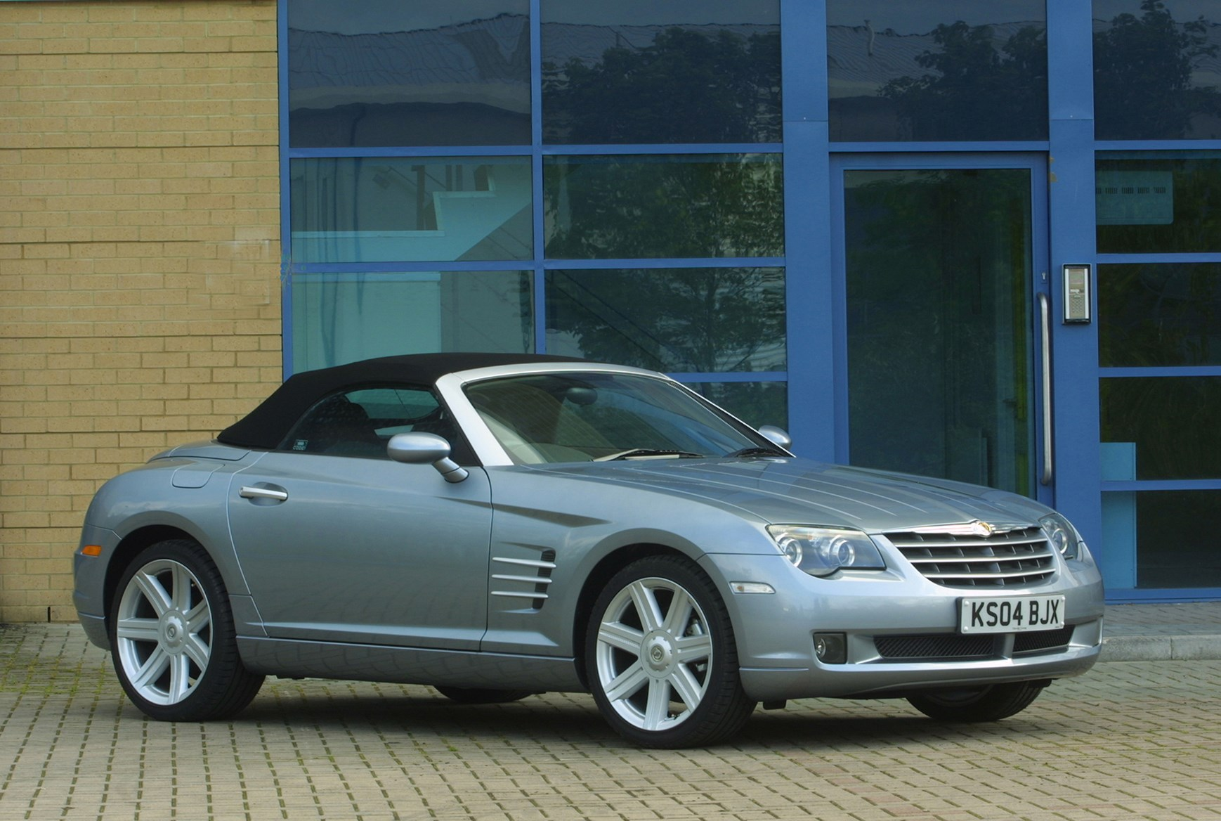 chrysler crossfire roadster review 2004 2008 parkers. Black Bedroom Furniture Sets. Home Design Ideas