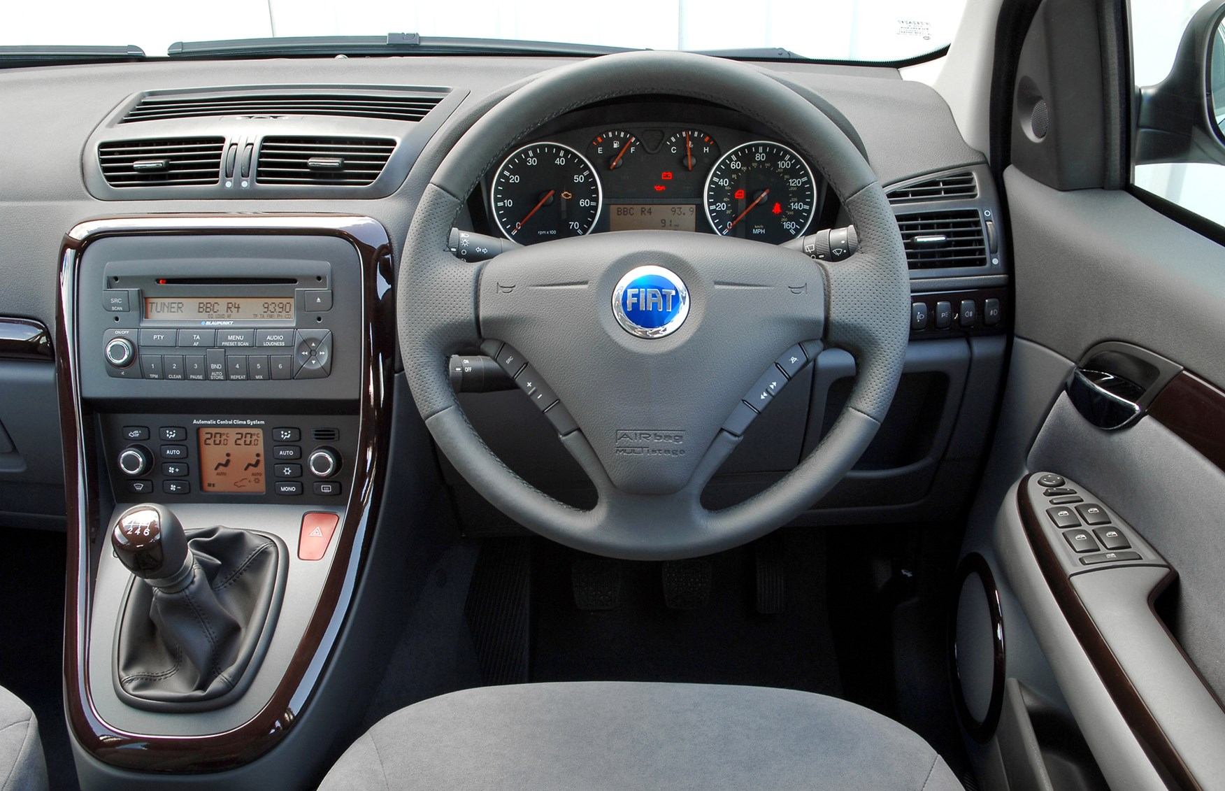 Fiat Croma Hatchback 2005 2007 Features Equipment And
