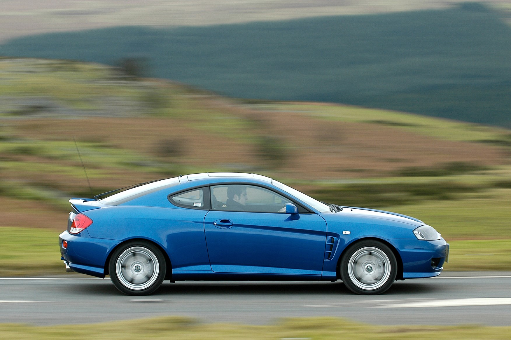 hyundai coupe coupe review   parkers