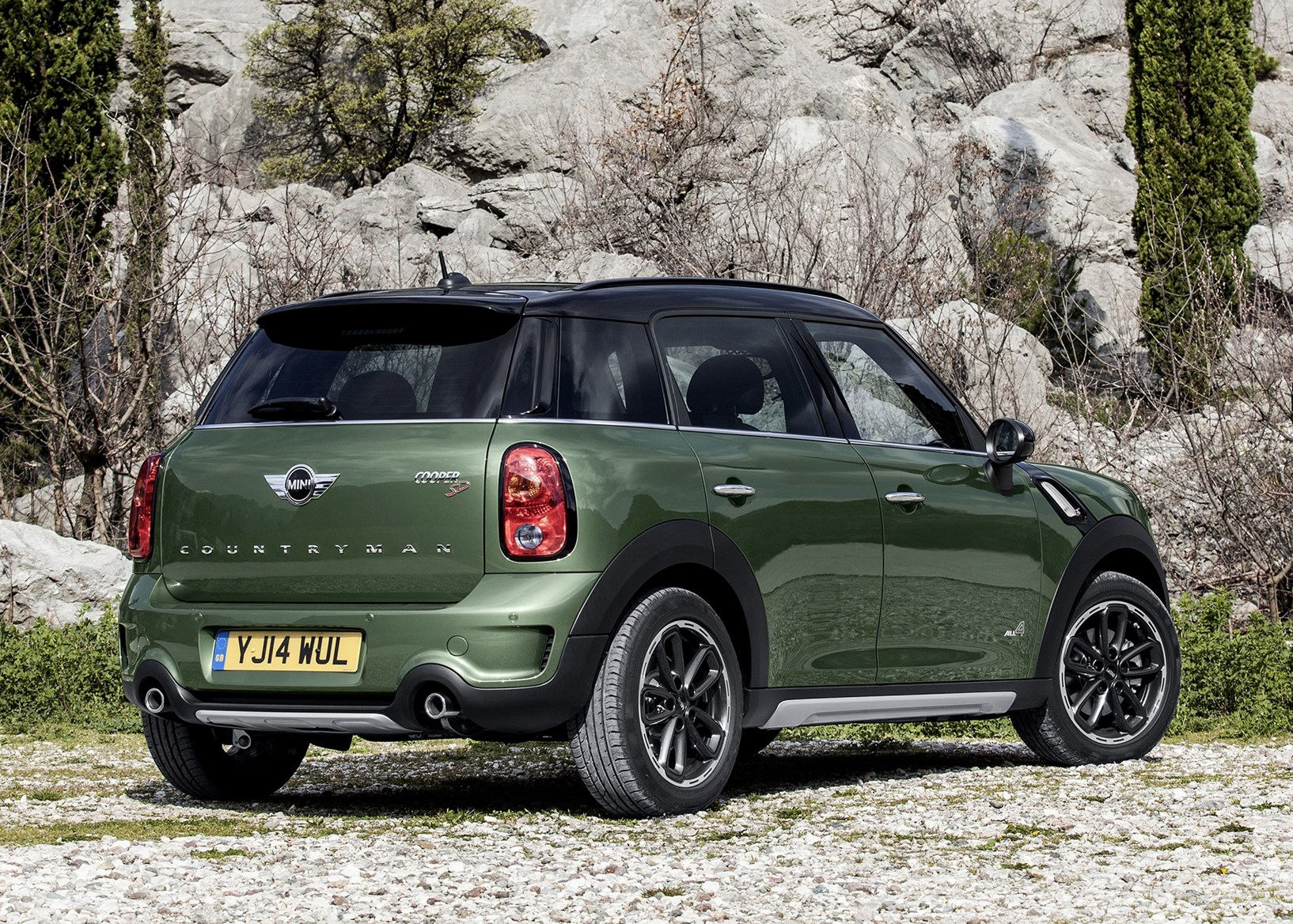 mini countryman estate 2010 2017 features equipment