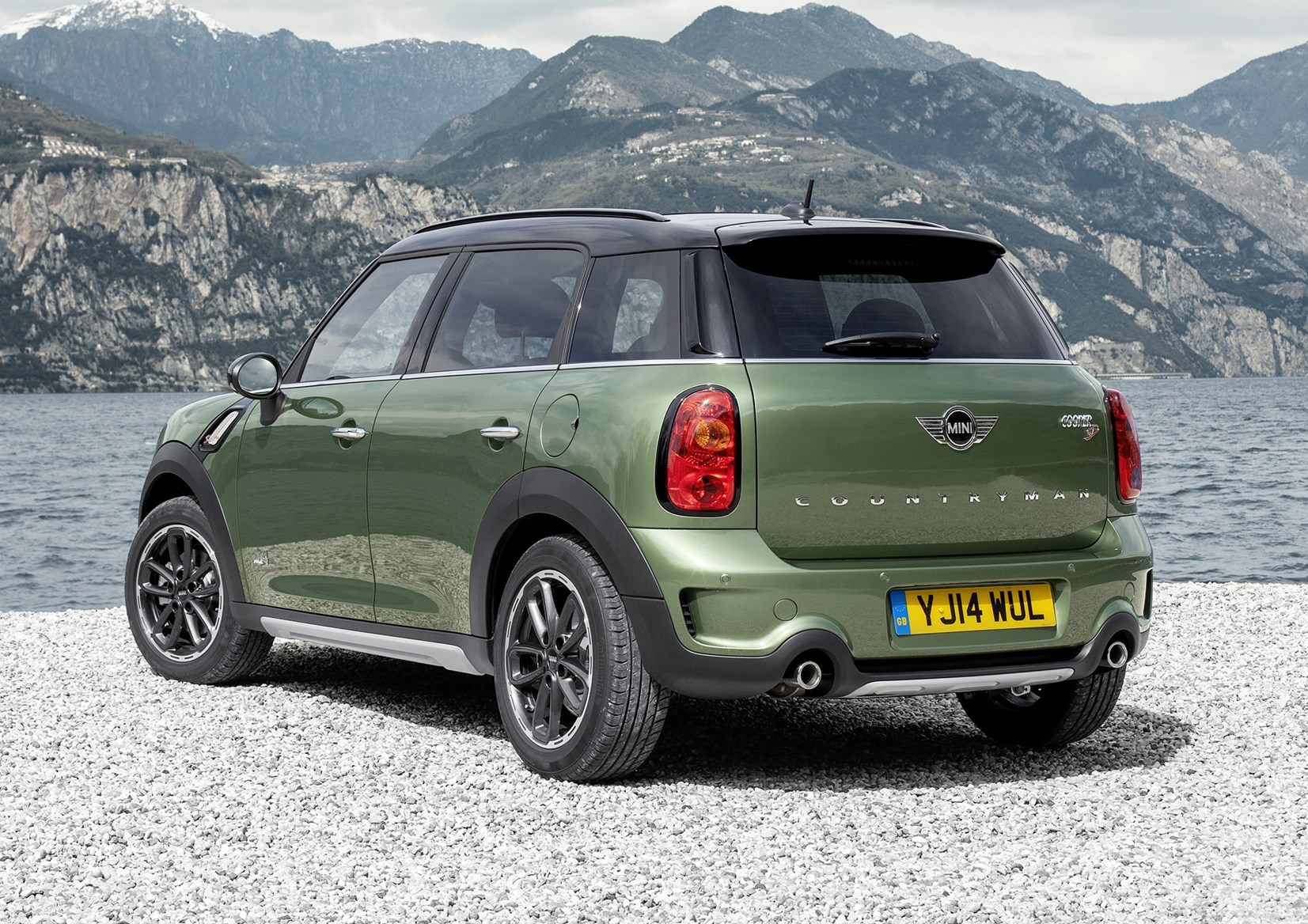 mini countryman estate 2010 2017 features equipment. Black Bedroom Furniture Sets. Home Design Ideas