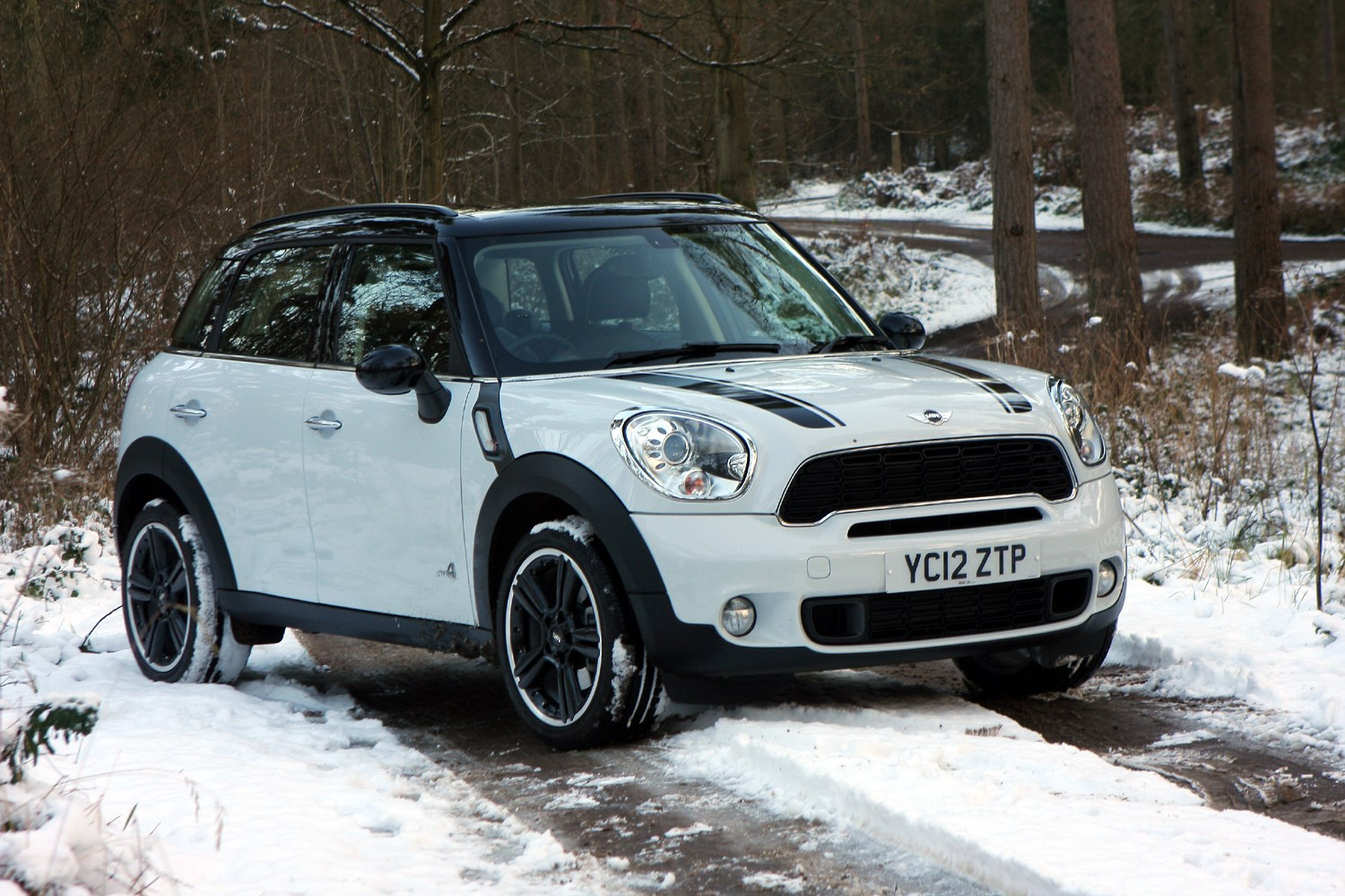 mini countryman estate 2010 2017 features equipment and accessories parkers. Black Bedroom Furniture Sets. Home Design Ideas