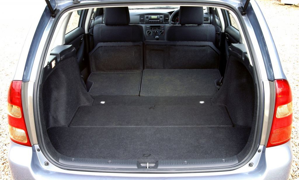 toyota corolla estate review (2002 - 2006)   parkers