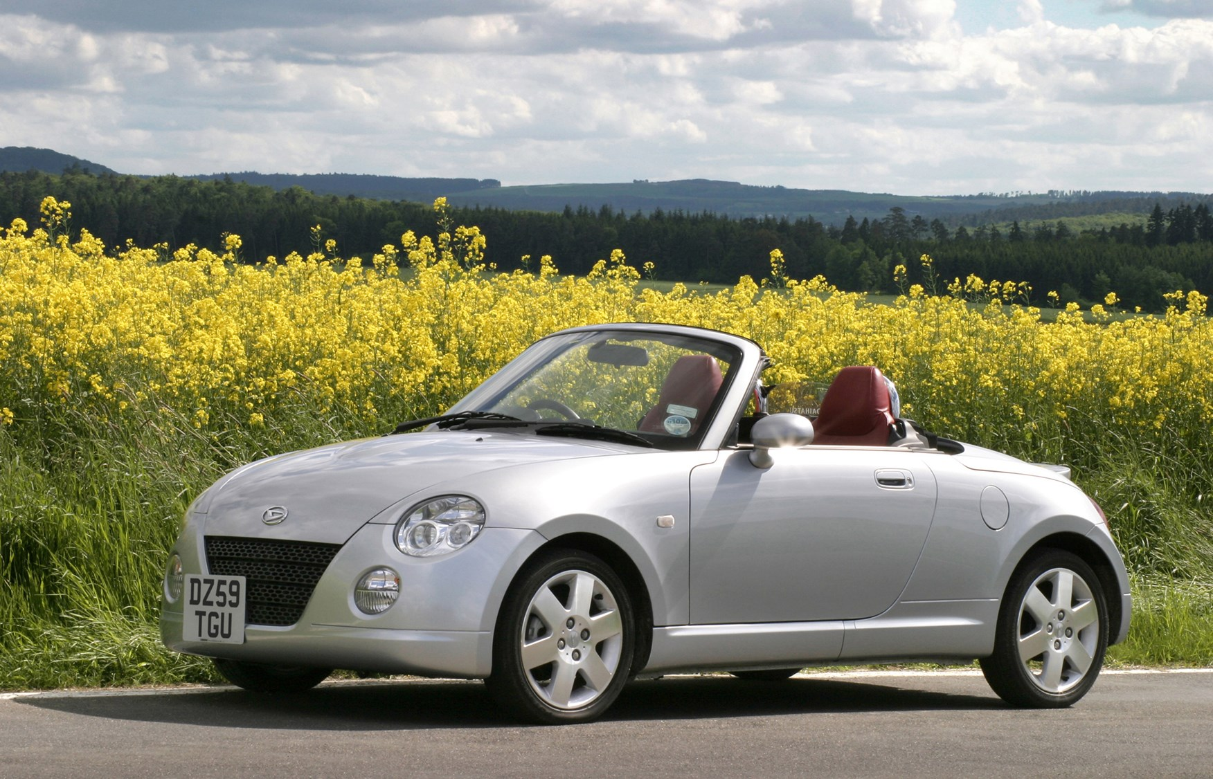 daihatsu copen coupe cabriolet review 2004 2010 parkers. Black Bedroom Furniture Sets. Home Design Ideas