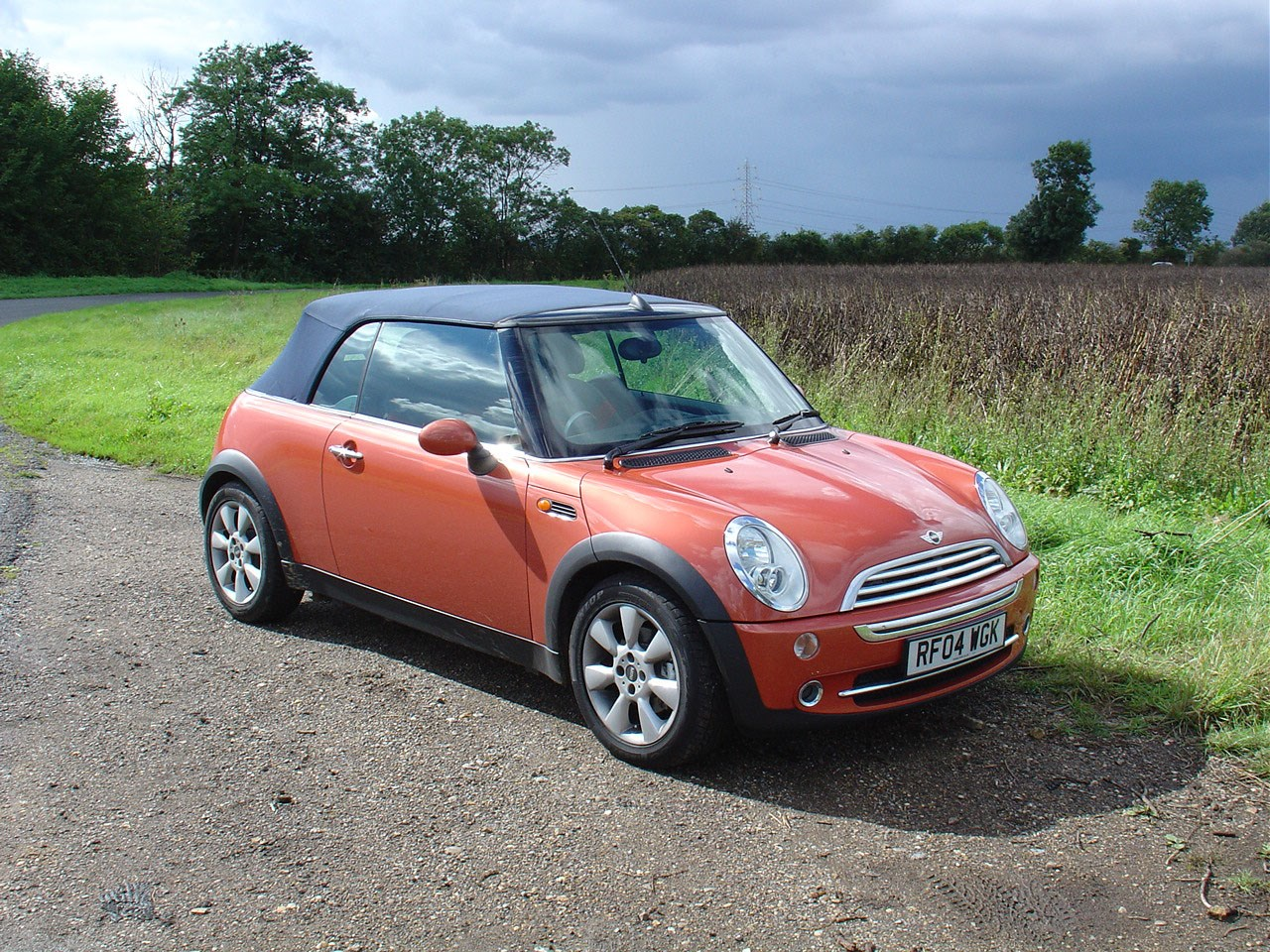 Mini convertible convertible 2004 2008 features equipment and accessories parkers Mini cooper exterior accessories
