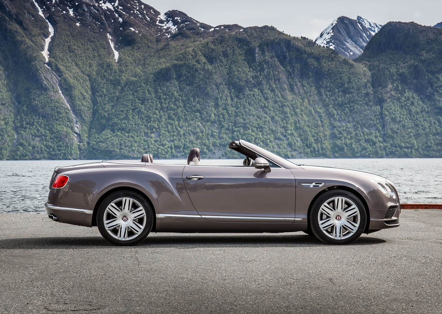 bentley continental gt gtc convertible review 2011 parkers. Black Bedroom Furniture Sets. Home Design Ideas