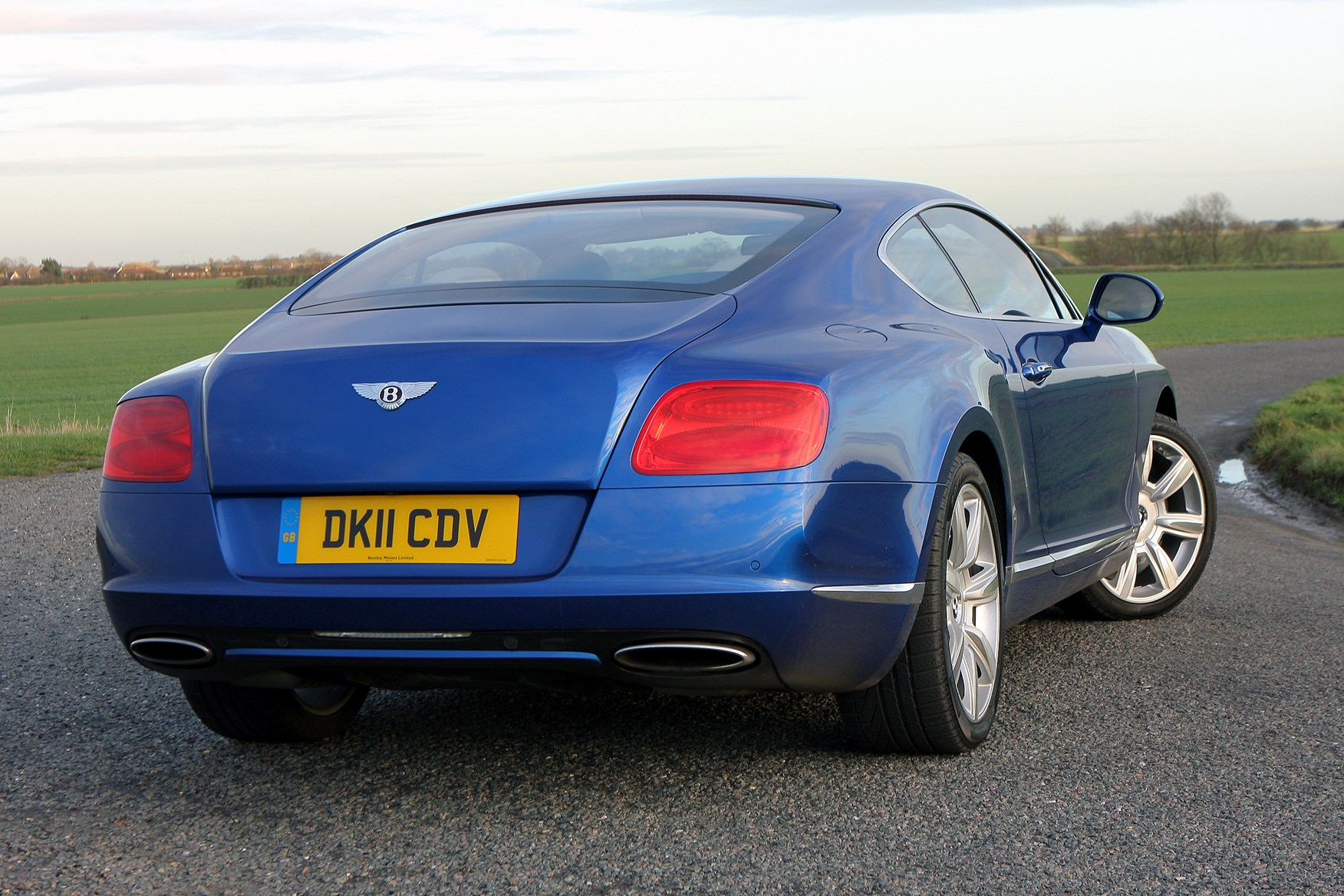 watch tv exterior interior continental how bentley gt car youtube drive and much