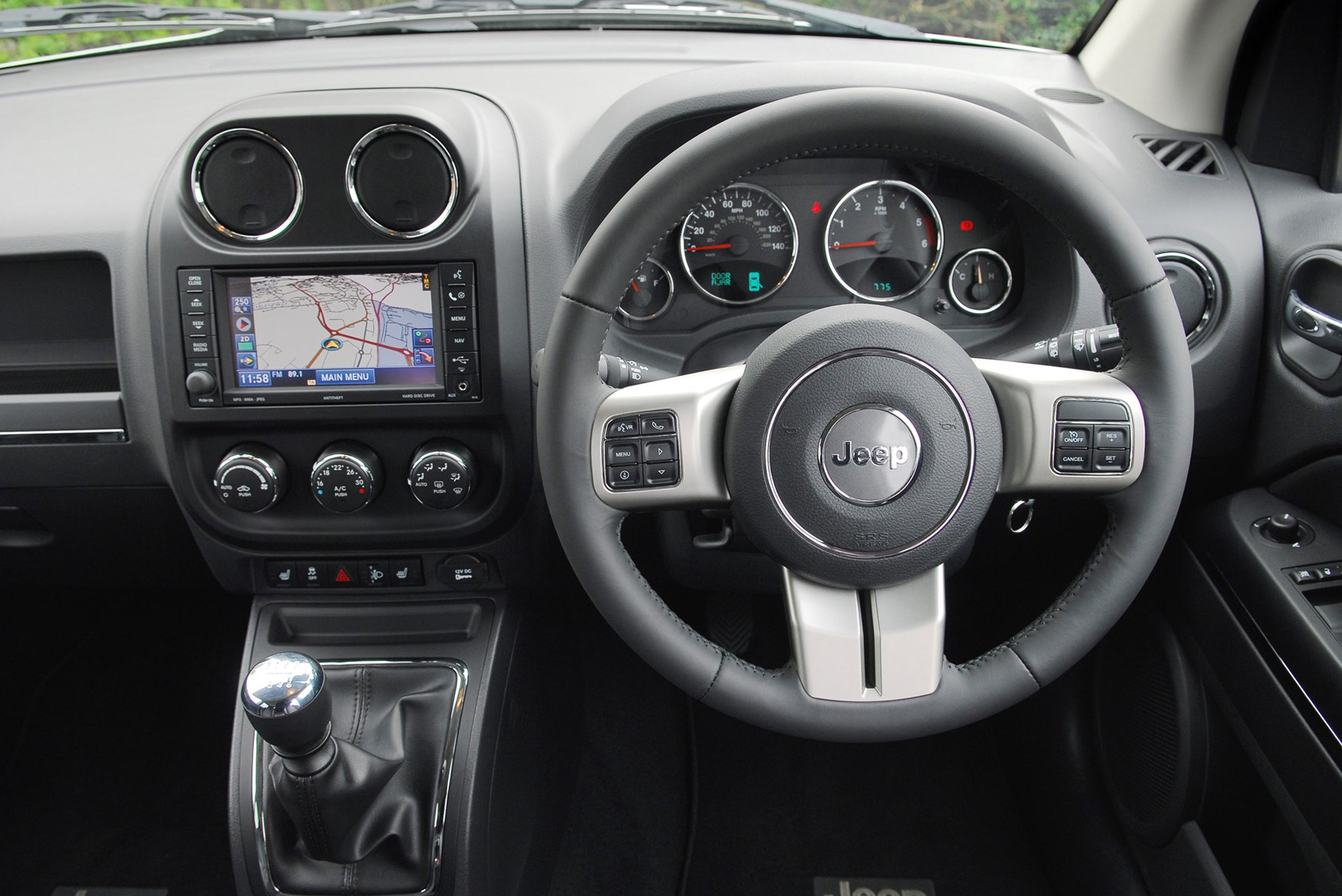 Jeep Compass Estate 2011 2015 Features Equipment And