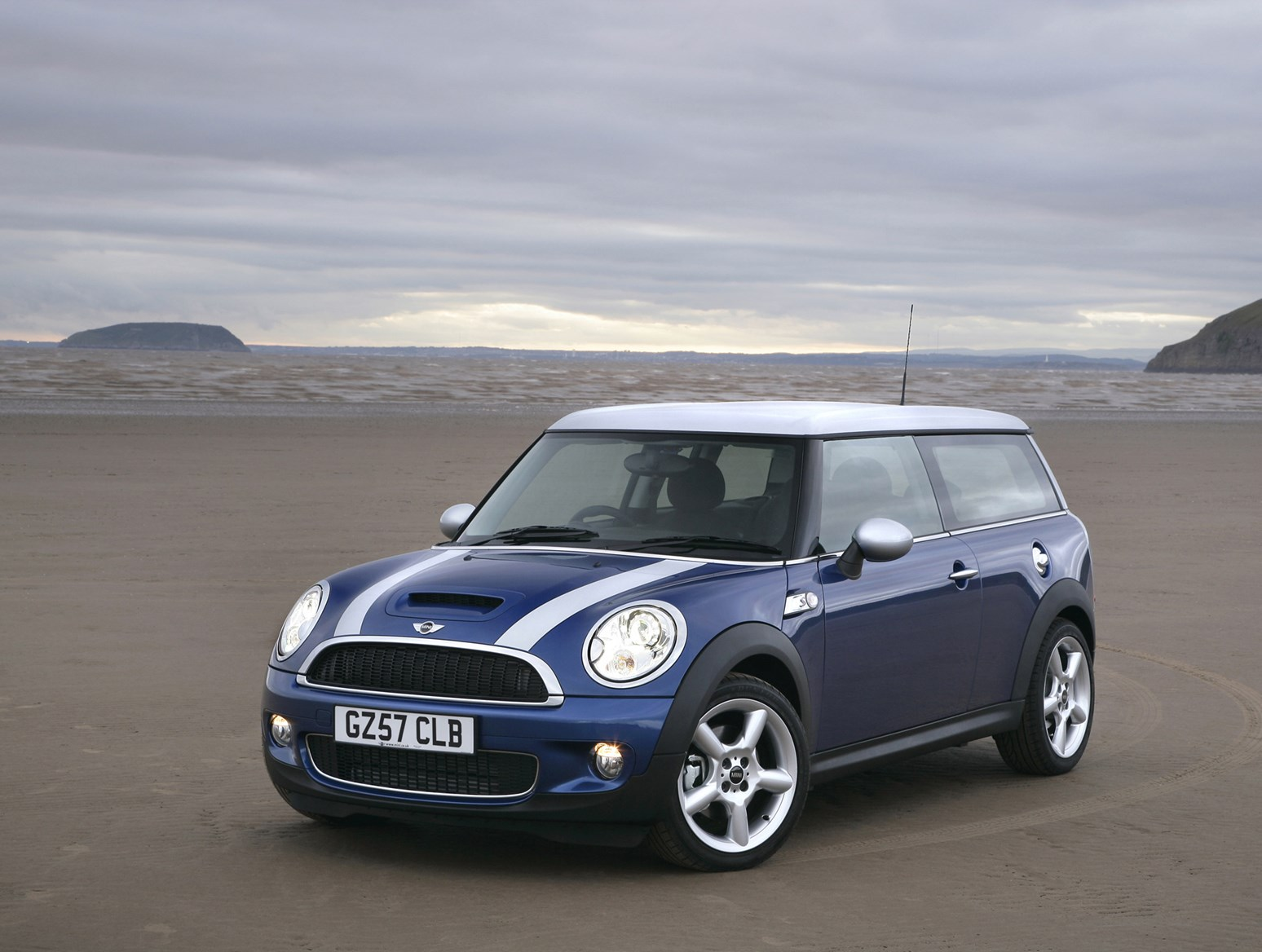mini clubman estate review 2007 2014 parkers. Black Bedroom Furniture Sets. Home Design Ideas