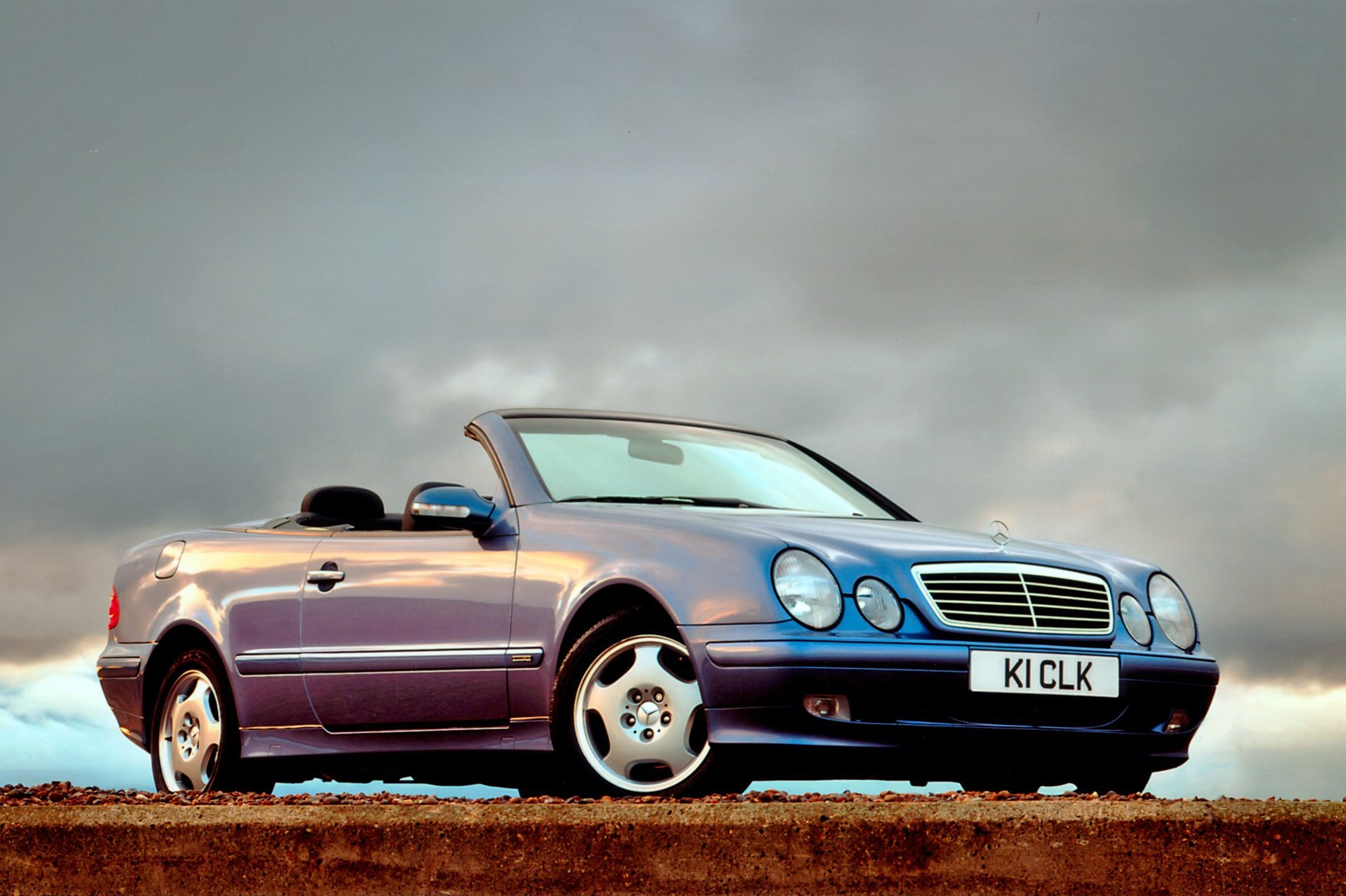 mercedes benz clk cabriolet review 1998 2003 parkers. Black Bedroom Furniture Sets. Home Design Ideas