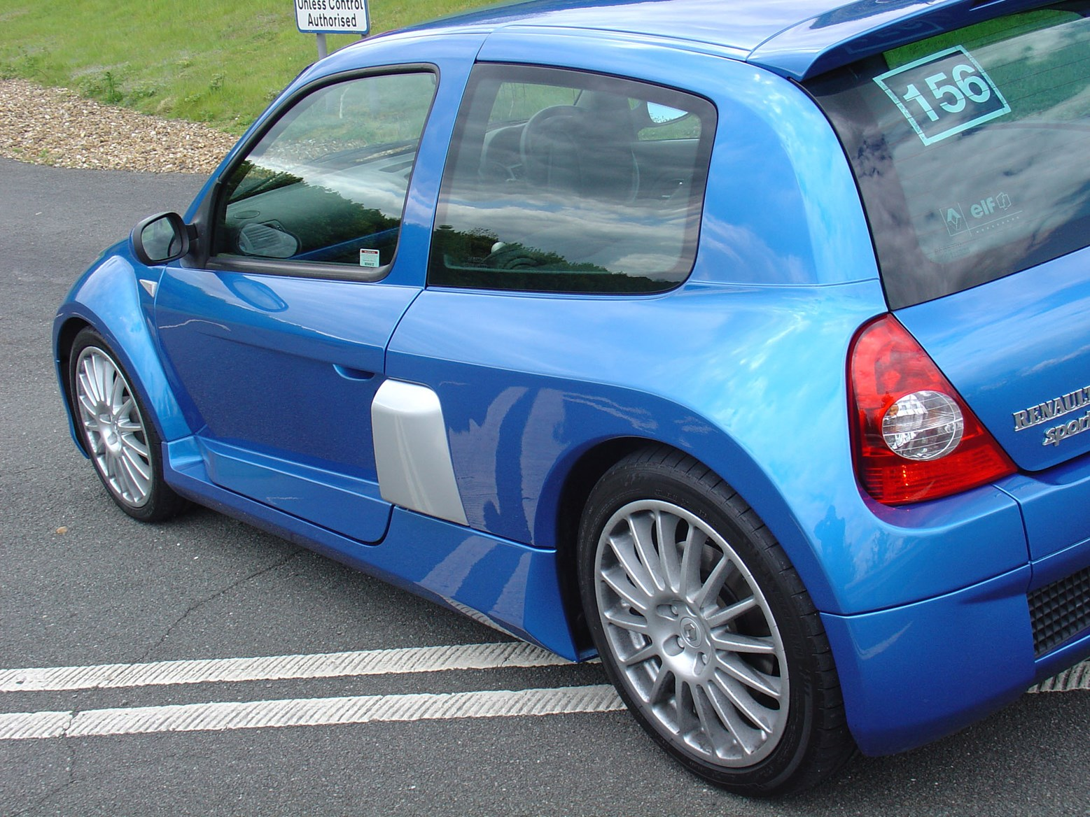 renault clio v6 2001 2005 rivals parkers. Black Bedroom Furniture Sets. Home Design Ideas
