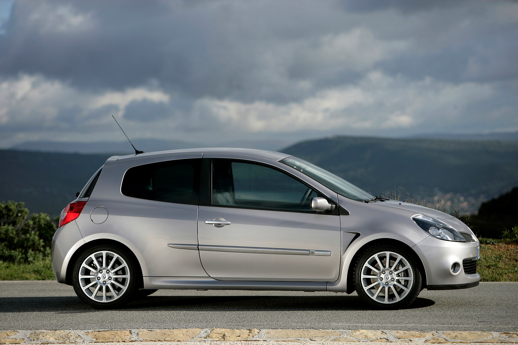 renault clio renaultsport review 2006 2012 parkers. Black Bedroom Furniture Sets. Home Design Ideas