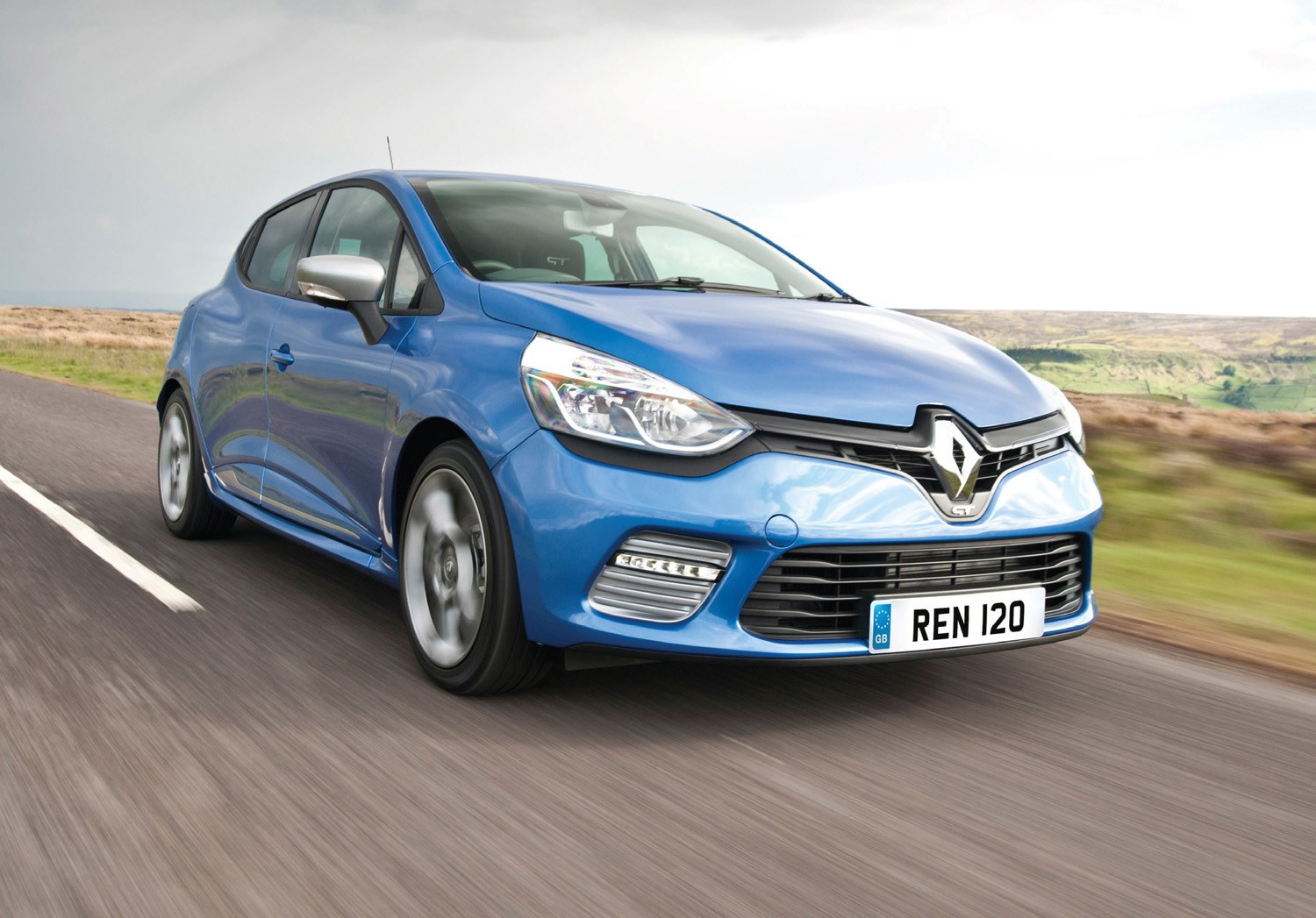 renault clio review summary parkers. Black Bedroom Furniture Sets. Home Design Ideas