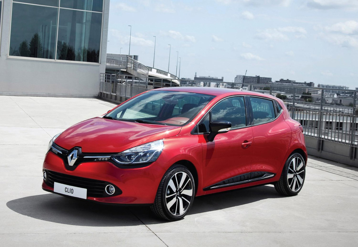 Renault Clio Review Features Practicality And Safety Parkers Skoda Fabia Estate Fuse Box Layout How Much Is It To Insure