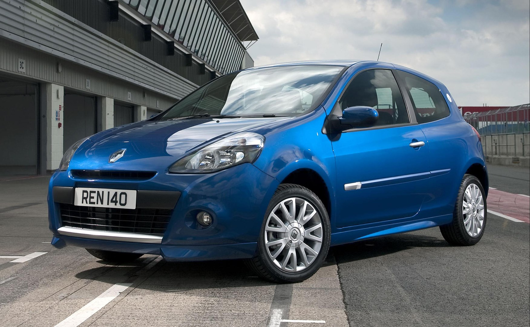 Used Renault Clio Hatchback 2005 2012 Review Parkers