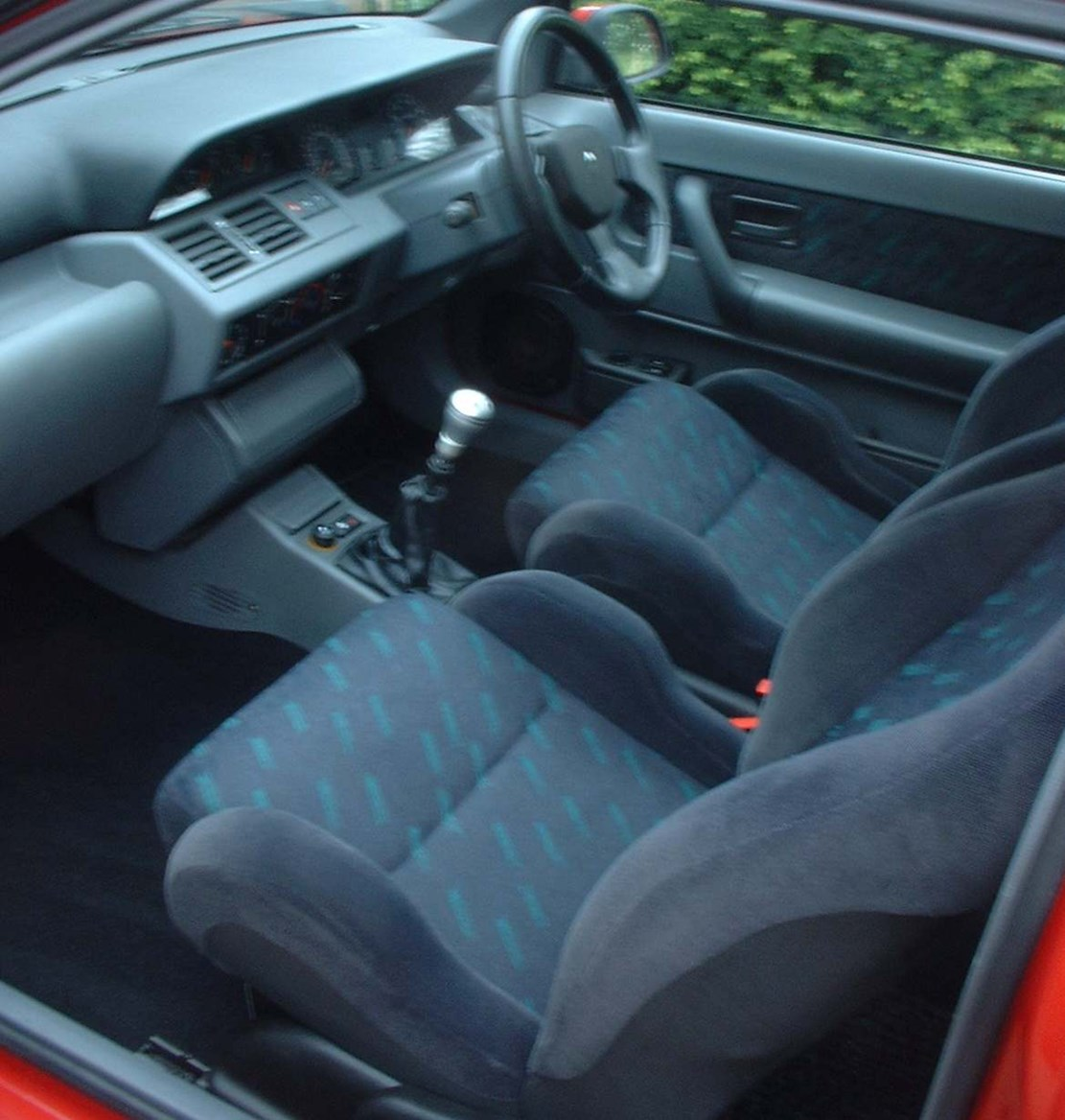 Renault Clio Hatchback Review (1991 - 1998)