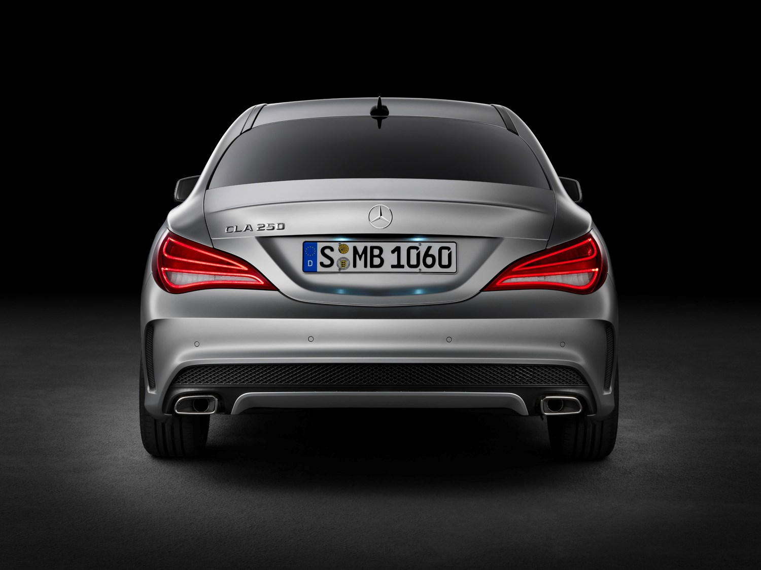 mercedes-benz cla-class coupe (2013 - ) features, equipment and