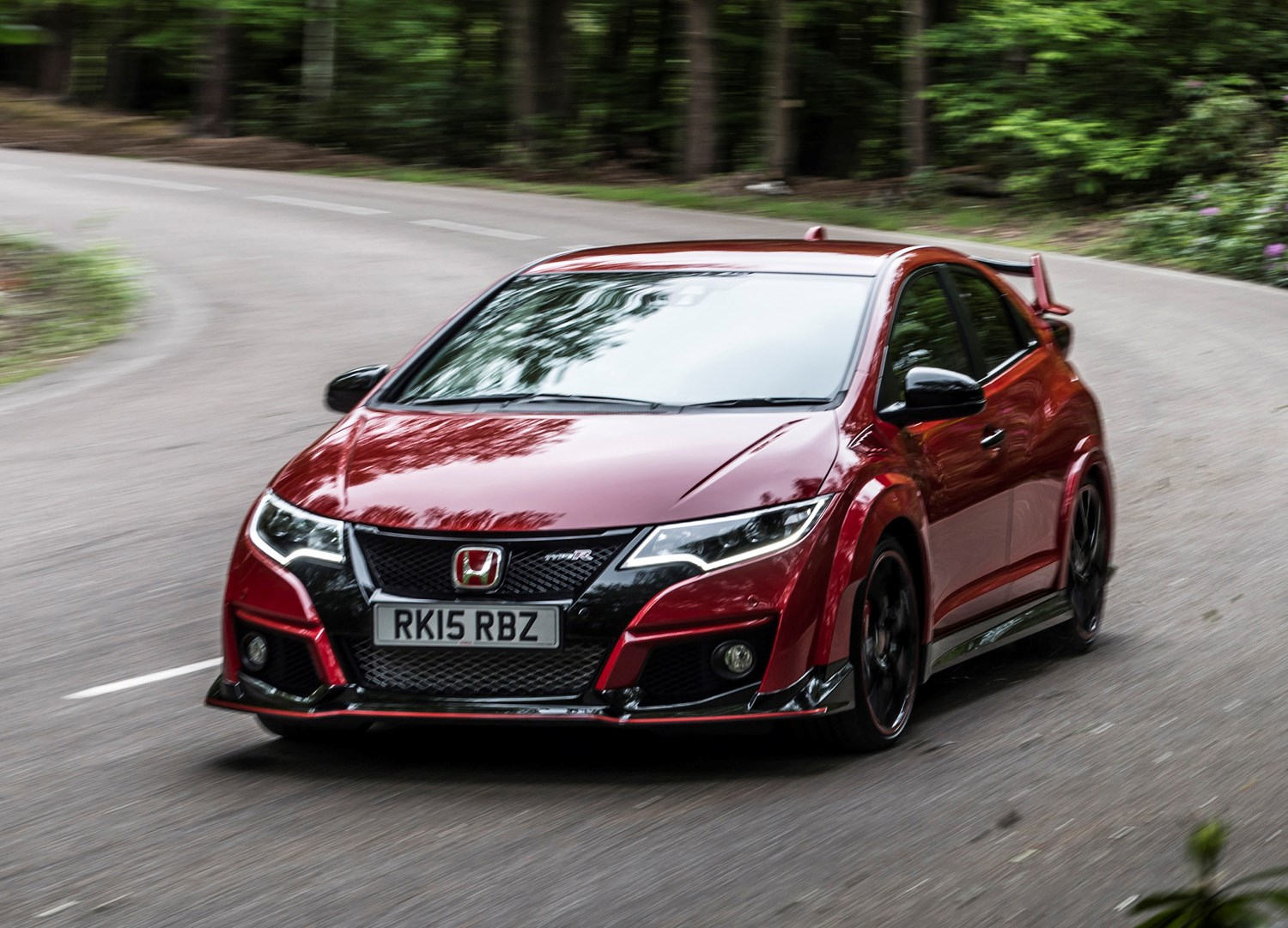 honda civic type r 2015 2017 features equipment and. Black Bedroom Furniture Sets. Home Design Ideas