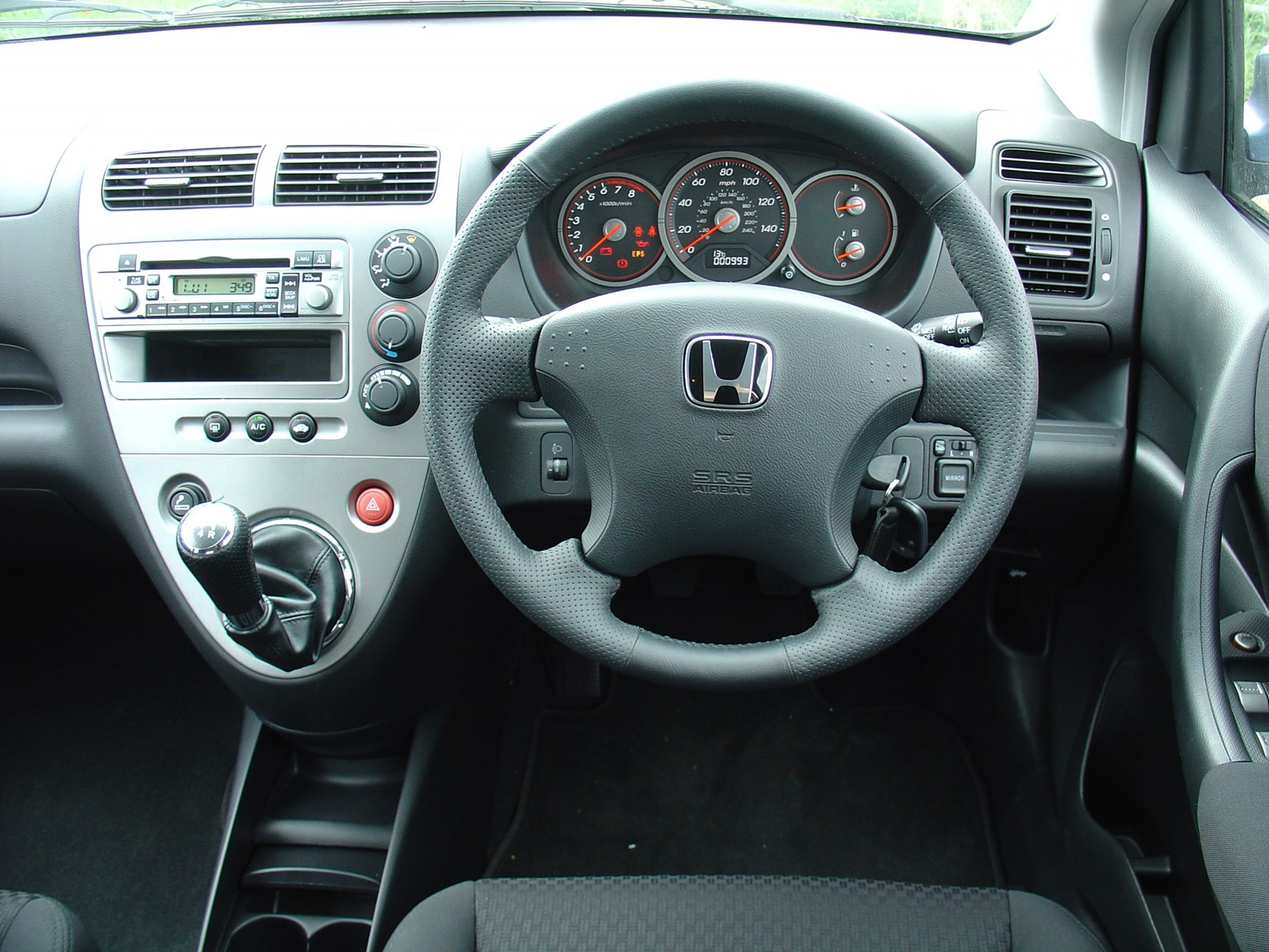 Honda Civic Hatchback 2000 2005 Features Equipment And Accessories Parkers