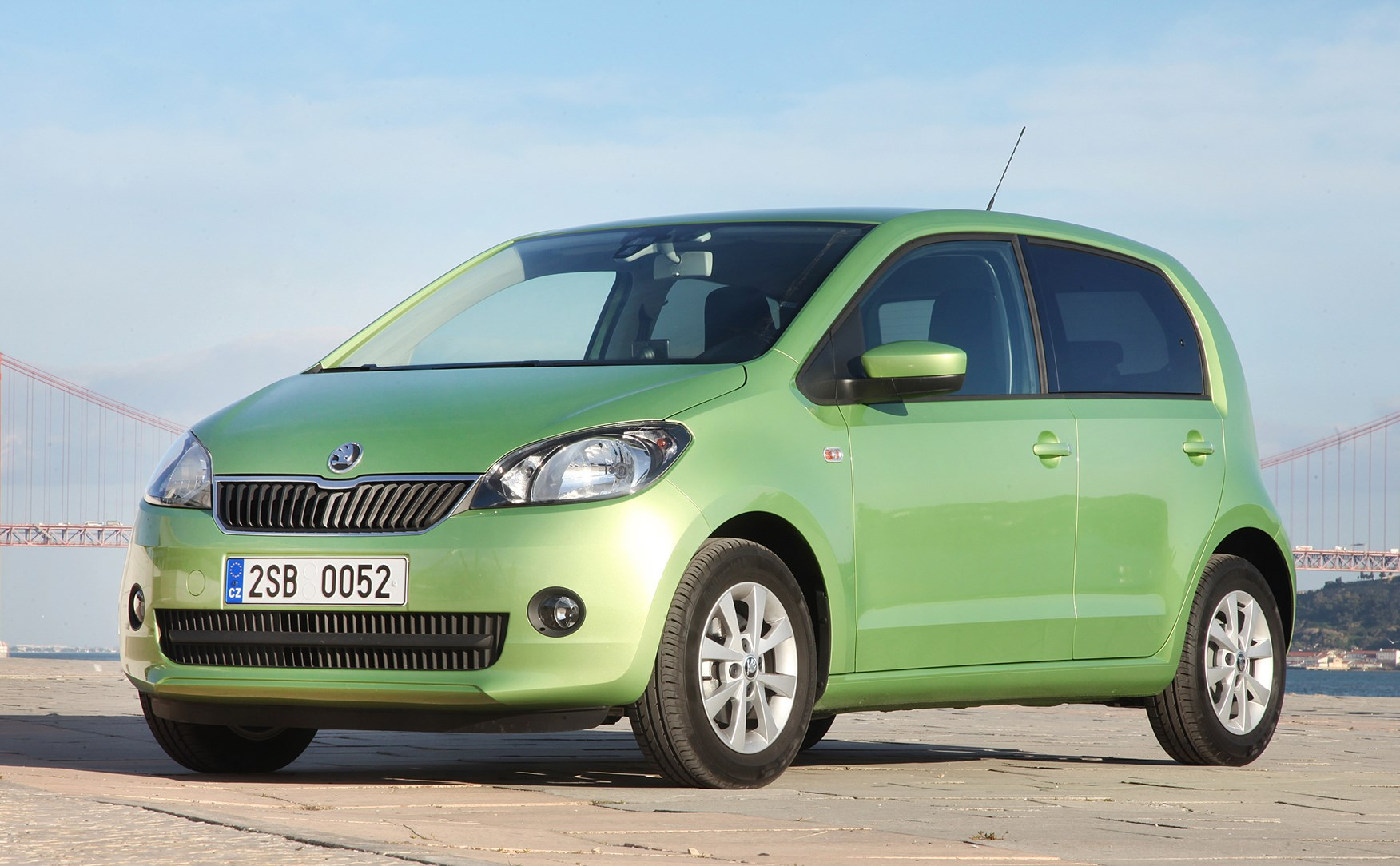 skoda citigo hatchback 2012 features equipment and. Black Bedroom Furniture Sets. Home Design Ideas