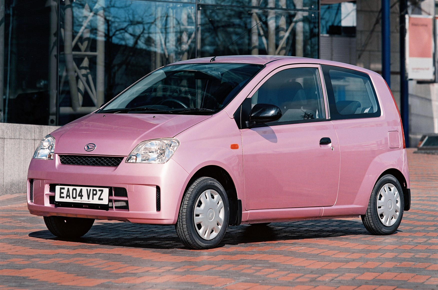 Daihatsu Charade Hatchback Review (2003 - 2007) | Parkers