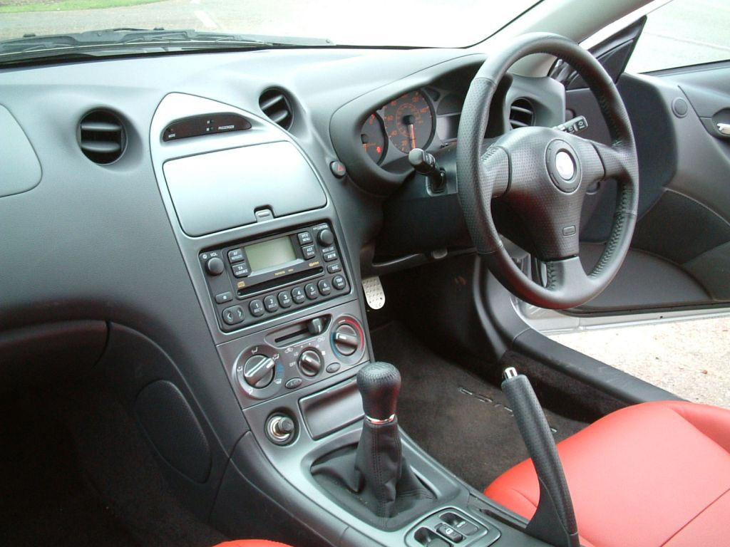 Toyota Celica Coup 1999 2006 Features Equipment And Accessories Parkers