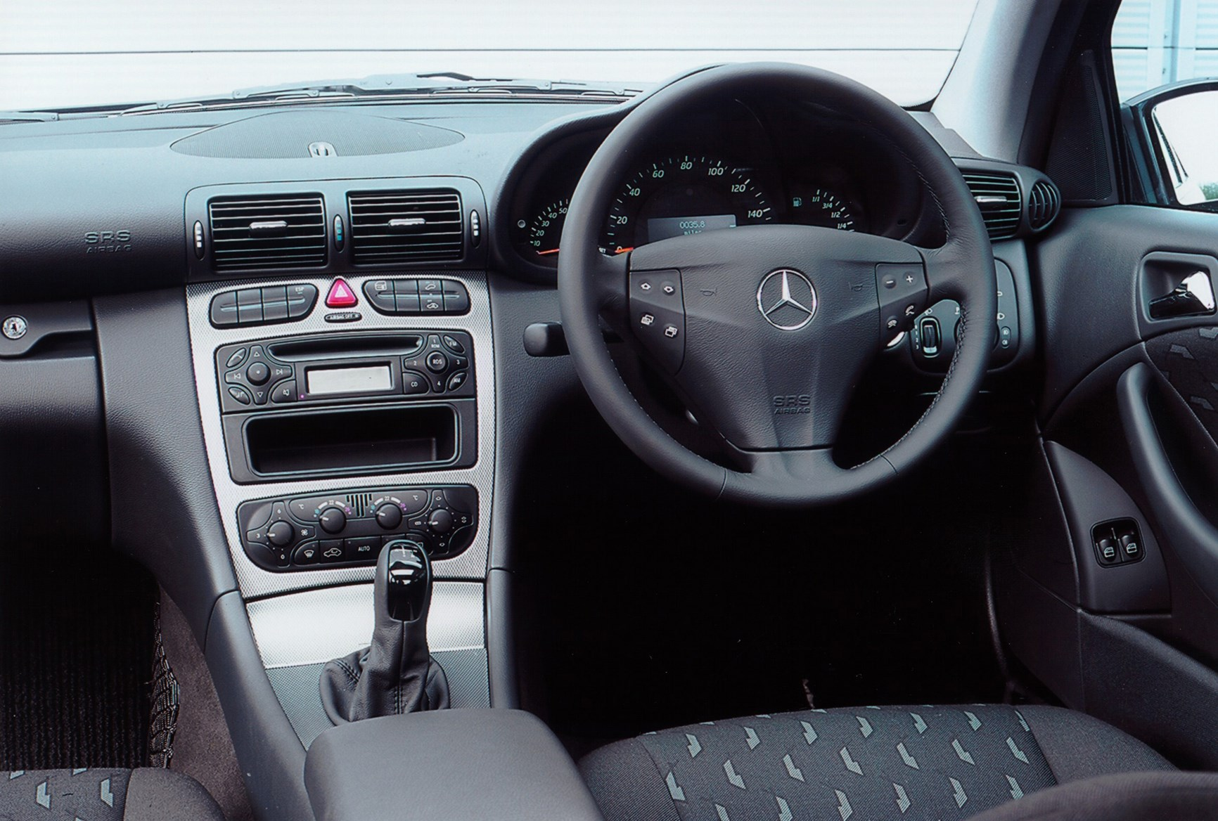 mercedes benz c class sports coup review 2001 2008 parkers. Black Bedroom Furniture Sets. Home Design Ideas