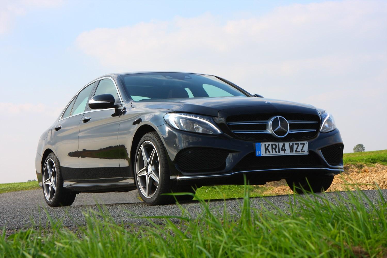 Mercedes benz c class saloon review parkers for Mercedes benz c class reliability