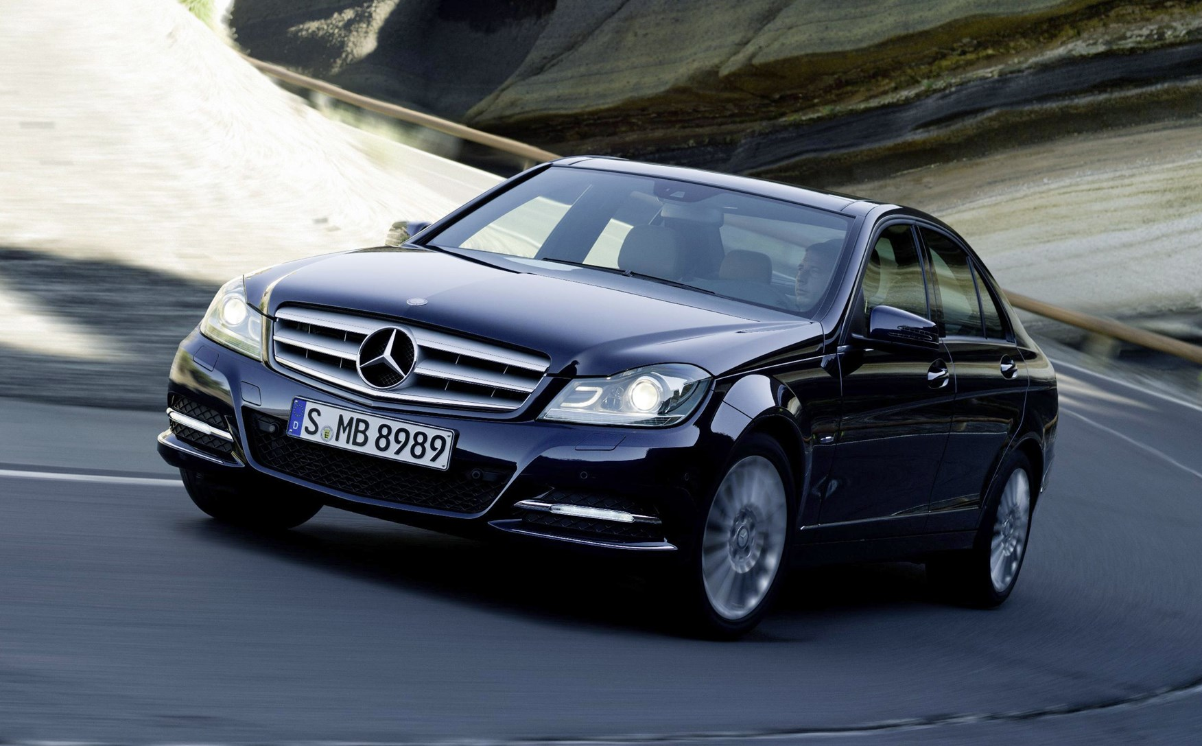 Used Mercedes-Benz C-Class Saloon (2007 - 2014) Review | Parkers