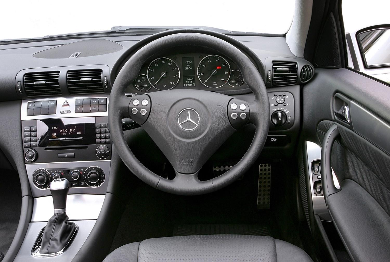 Mercedes Benz C Class Saloon Review 2000 2007 Parkers