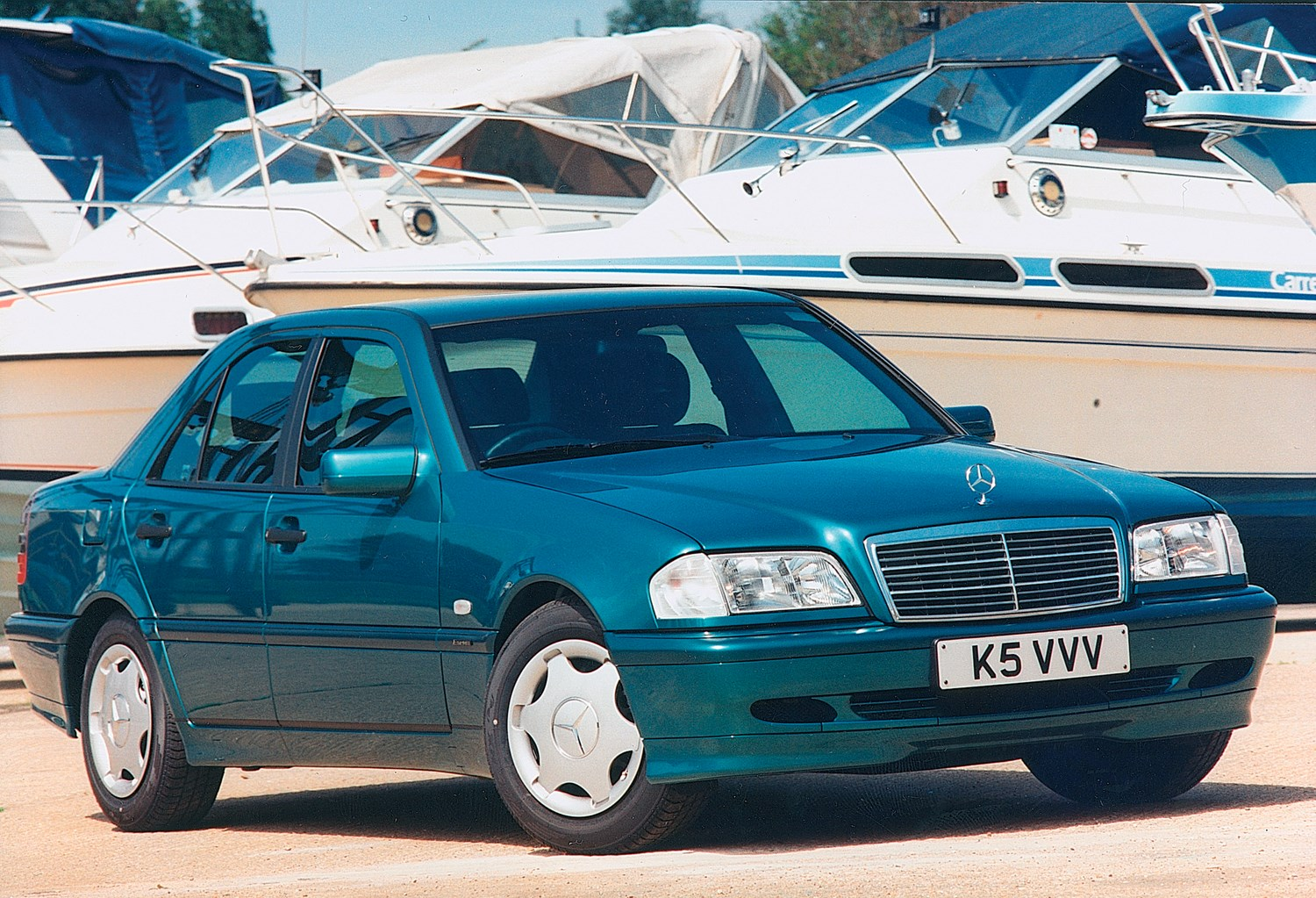 Mercedes benz c class saloon 1993 2000 features for Accessories for mercedes benz c class
