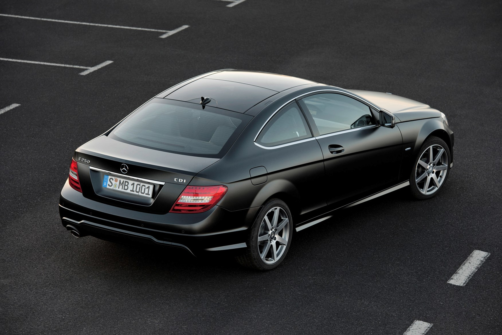 Mercedes benz c class coup review 2011 2015 parkers for How much is a mercedes benz c class