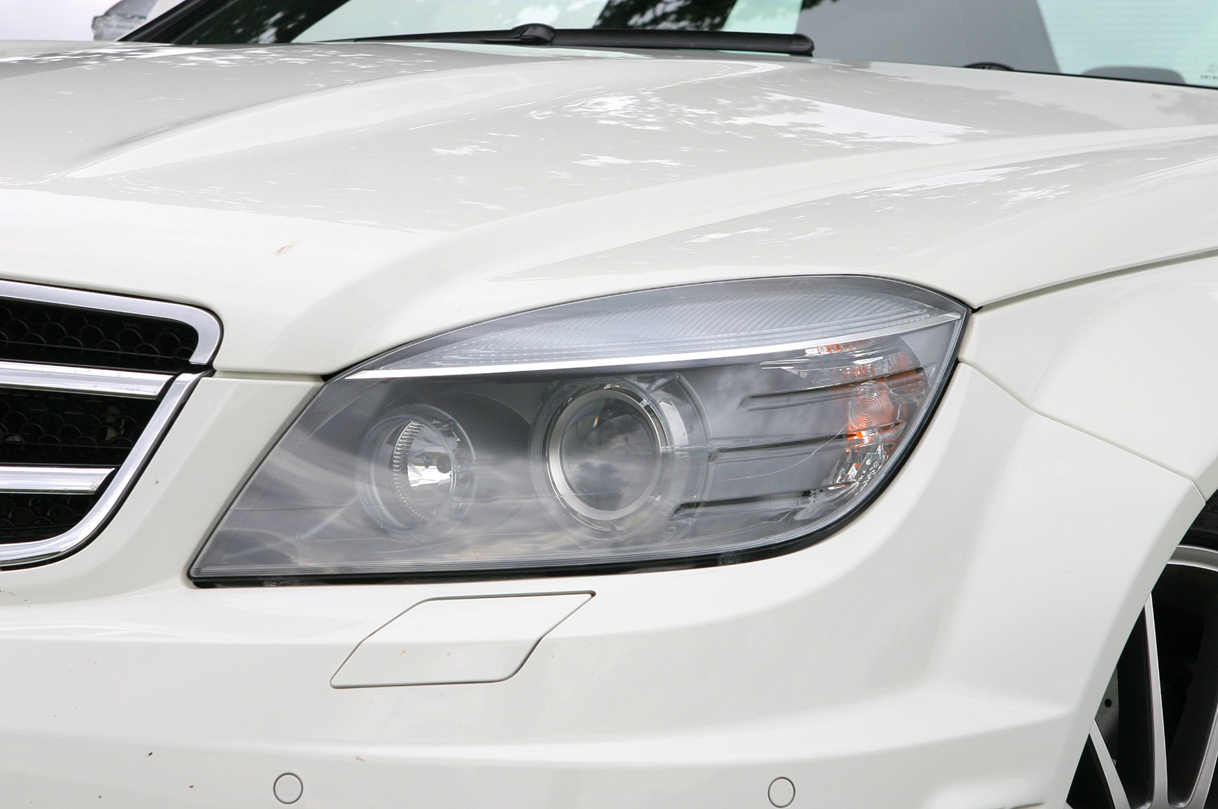 Mercedes benz c class amg review 2008 2011 parkers for How much is a mercedes benz c class