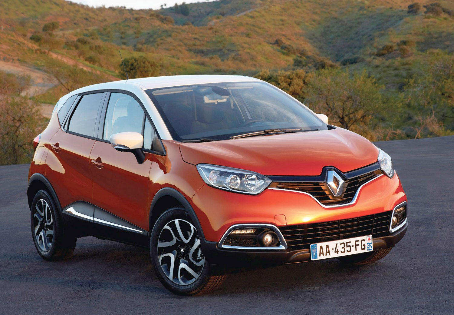 renault captur 4x4 review 2013 parkers. Black Bedroom Furniture Sets. Home Design Ideas