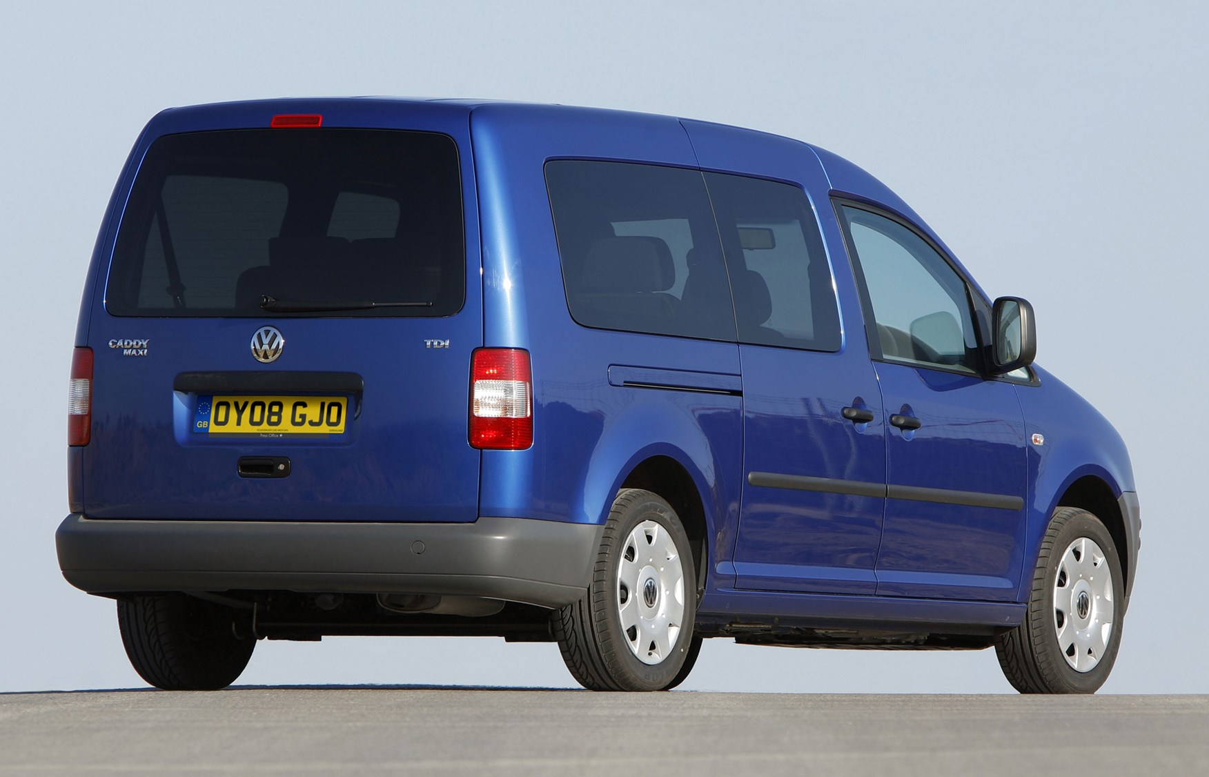 volkswagen caddy maxi life estate 2008 2010 features. Black Bedroom Furniture Sets. Home Design Ideas