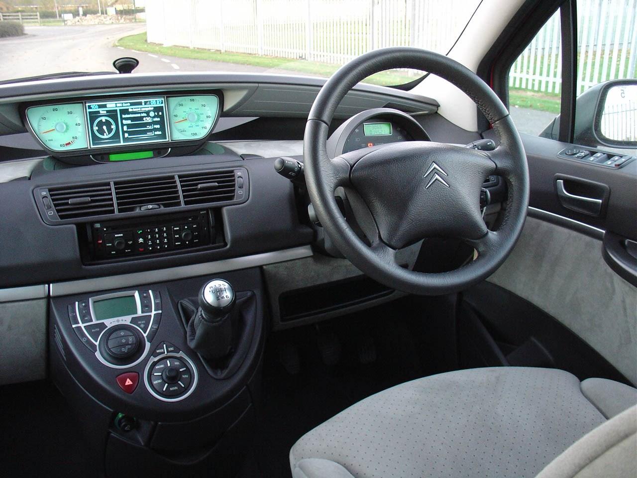 Citroën C8 Estate Review (2003 - 2010) | Parkers