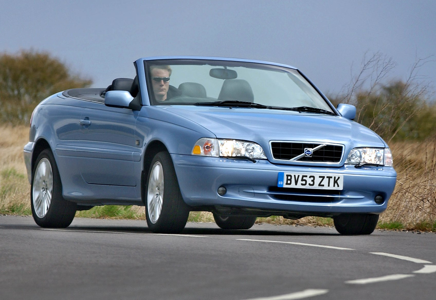 stop hyde used lux sale convertible infinity volvo cheshire car for se in