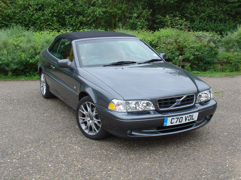 volvo c70 convertible 1999 2005 buying and selling parkers. Black Bedroom Furniture Sets. Home Design Ideas