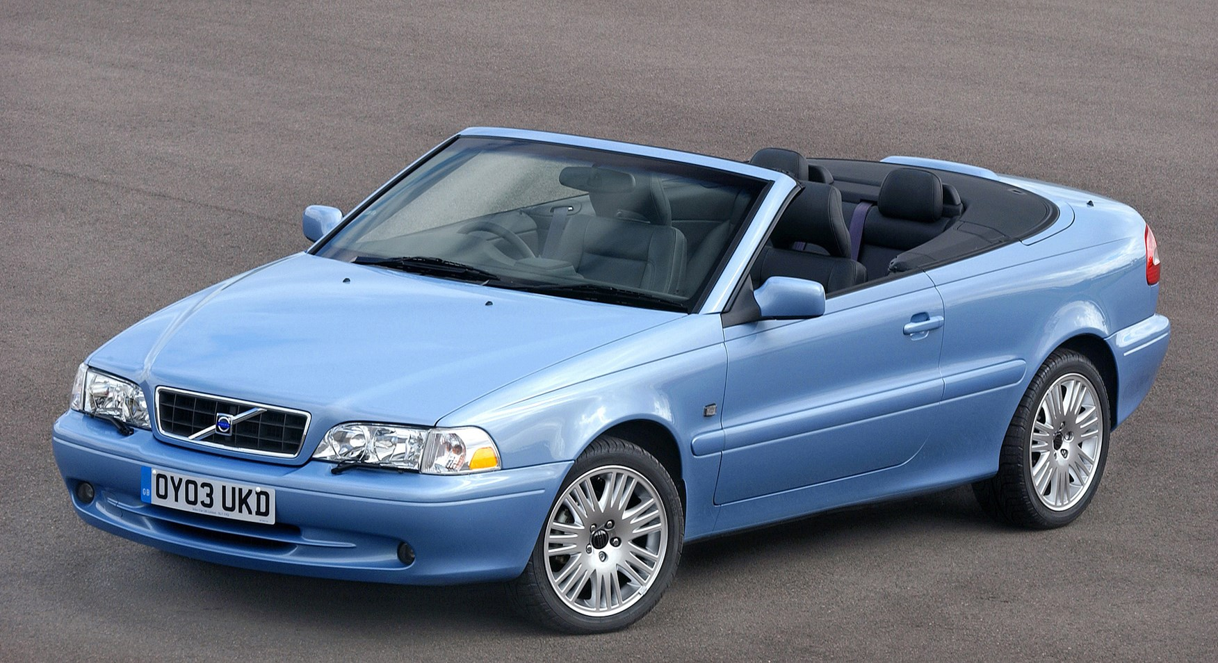 volvo c70 convertible review 1999 2005 parkers. Black Bedroom Furniture Sets. Home Design Ideas