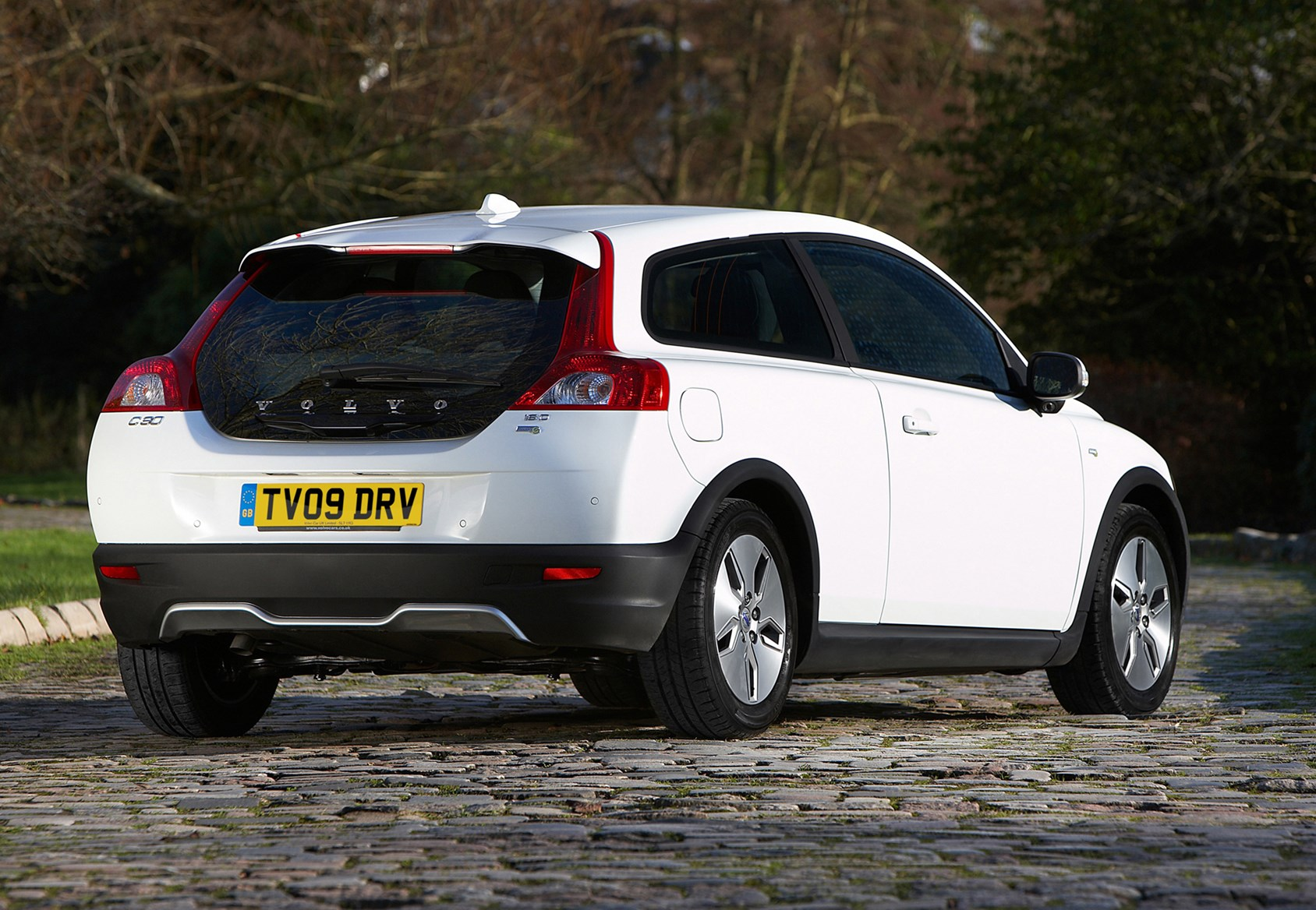 Volvo C30 For Sale >> Volvo C30 Coupe Review (2007 - 2012) | Parkers