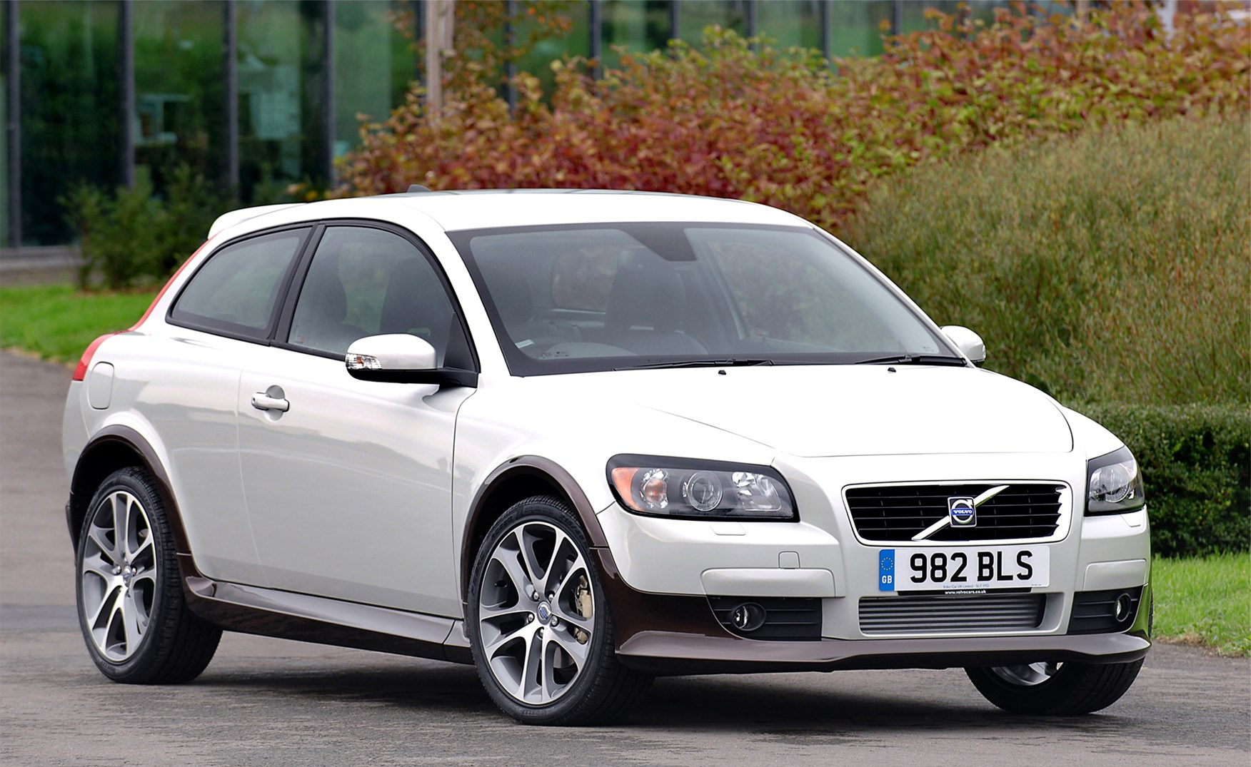 volvo c30 coupe review 2007 2012 parkers. Black Bedroom Furniture Sets. Home Design Ideas
