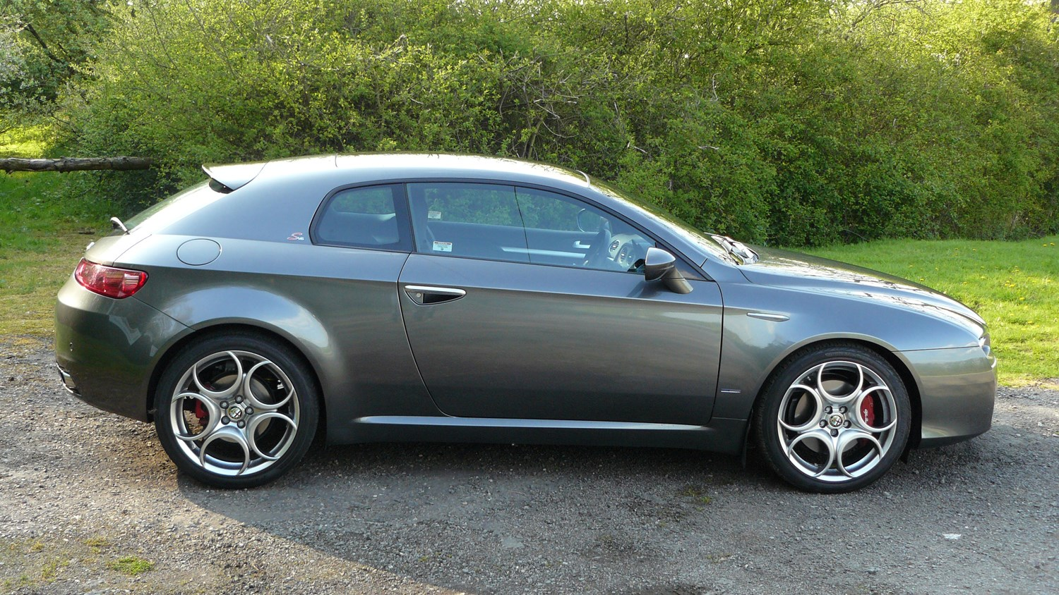 alfa romeo brera coupe 2006 2010 rivals parkers. Black Bedroom Furniture Sets. Home Design Ideas
