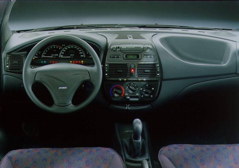 Volkswagen Golf For Sale >> Fiat Bravo Hatchback (1995 - 2002) Features, Equipment and ...